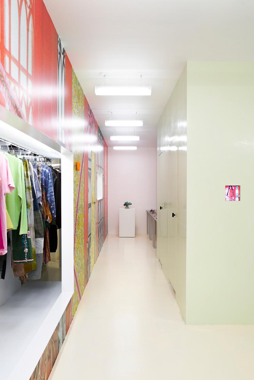 Interior design, Building, Fixture, Floor, Flooring