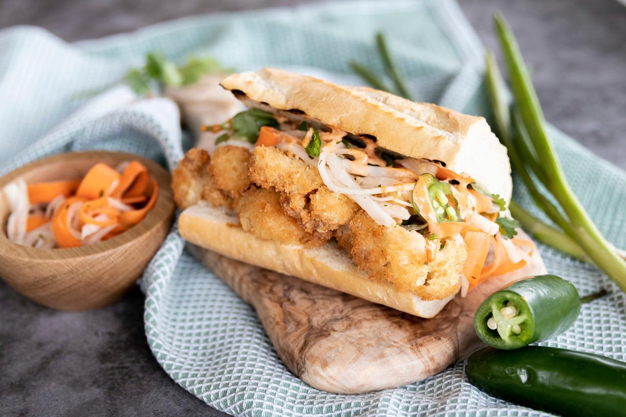Fines herbes, Fast food, Sandwich, Ingredient, Recipe, Tableware, Cuisine, Vegetable
