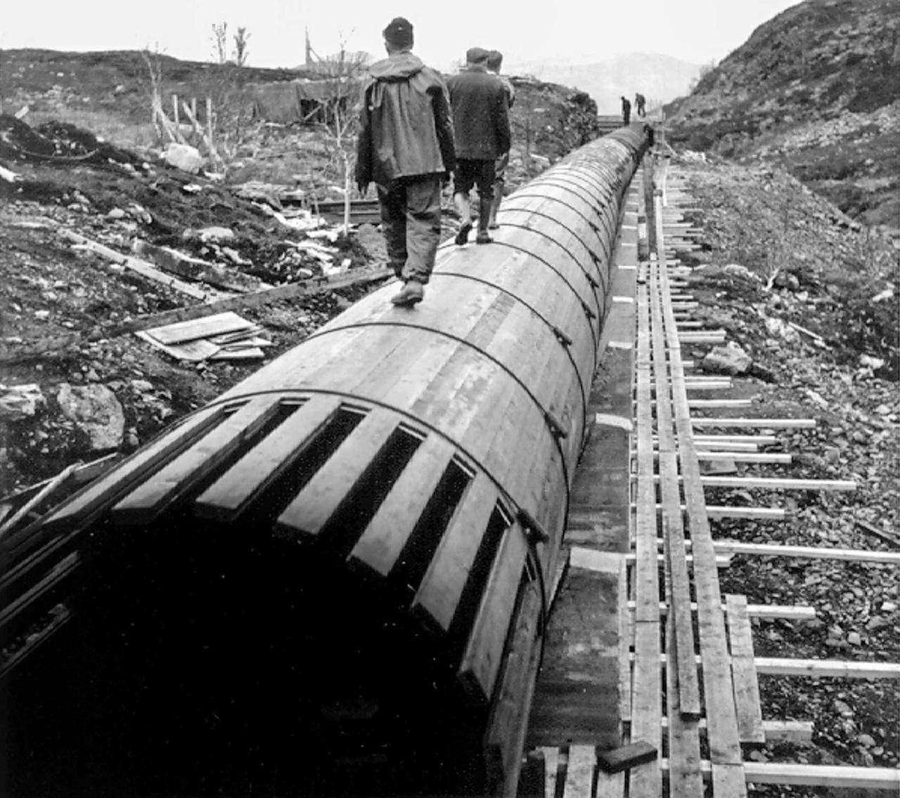 Pipeline transport, Black, Sky, Style, Wood