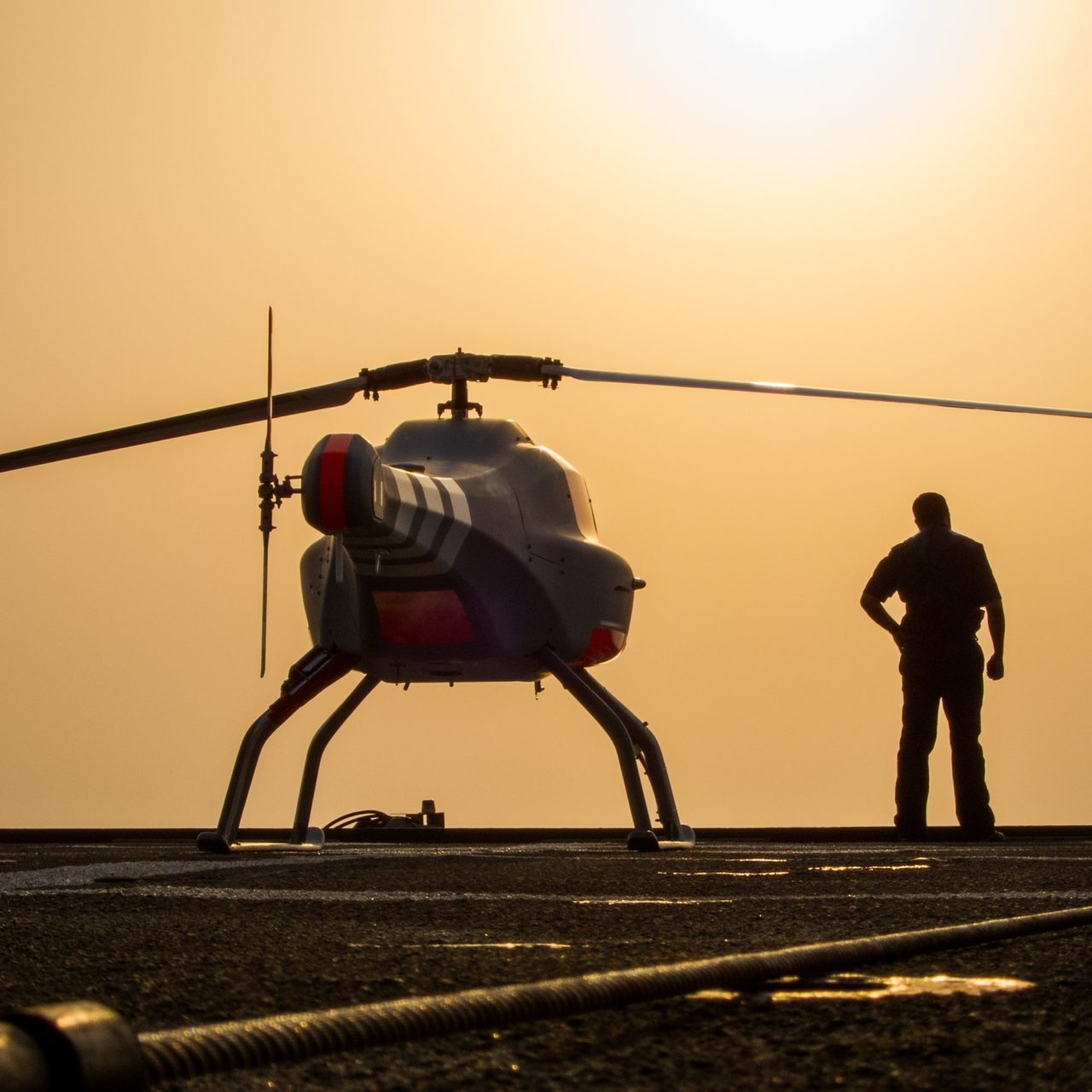Helicopter rotor, Sky, Rotorcraft, Vehicle, Aircraft, Gesture, Aviation