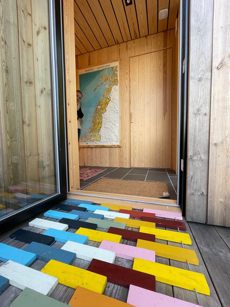 Interior design, Property, Azure, Wood, Flooring, Architecture, Floor, Art, Line, Rectangle