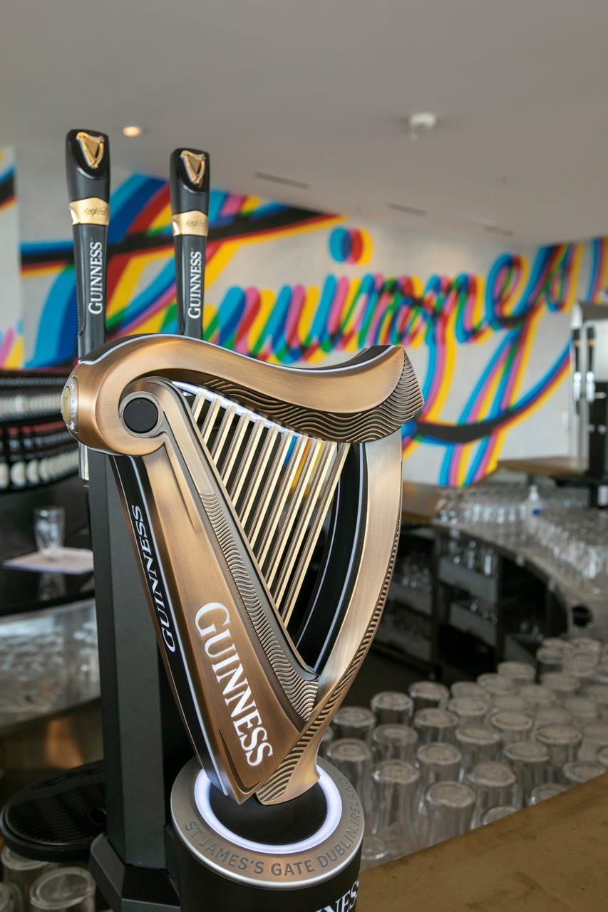 Musical instrument, Automotive design, Harp, Clrsach