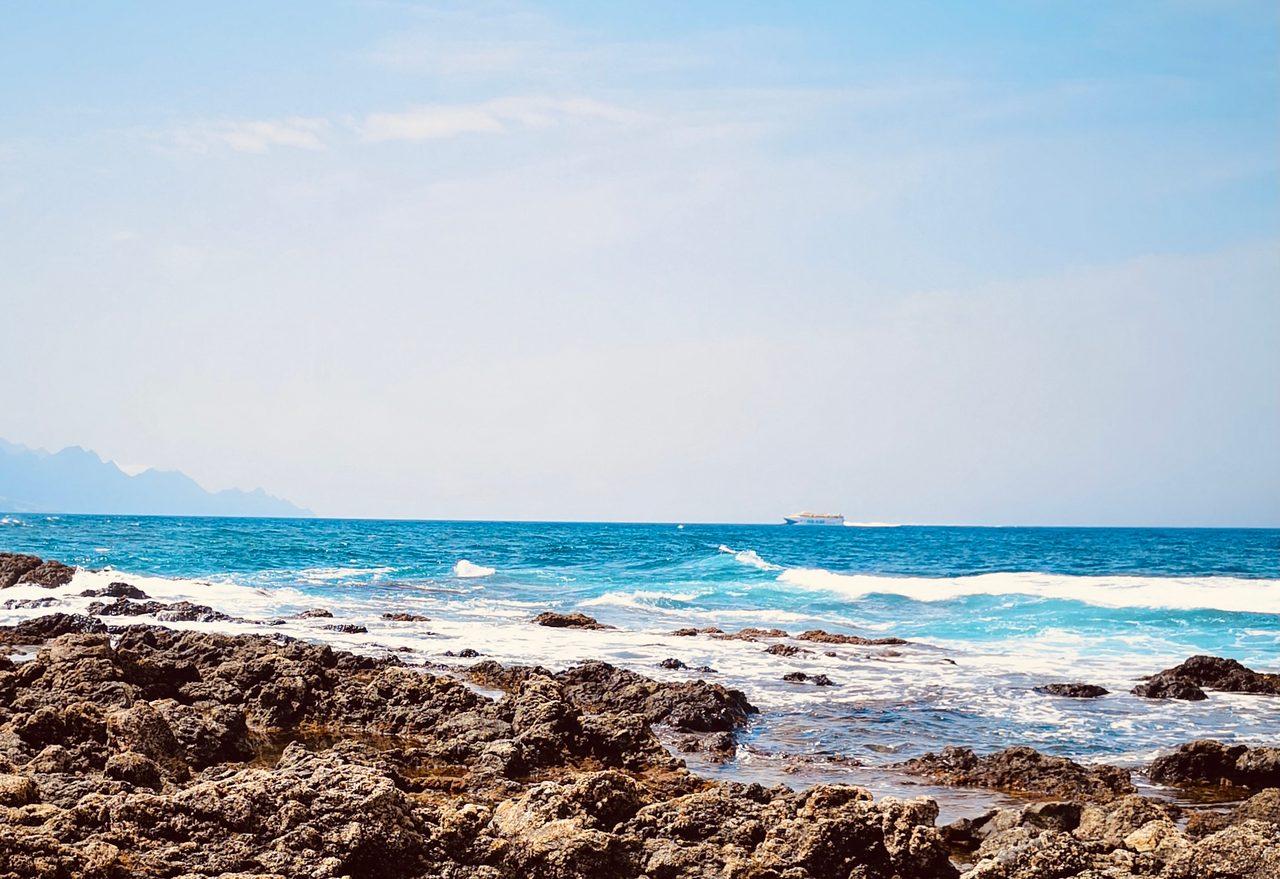 Natural landscape, Water, Cloud, Sky, Blue, Fluid, Beach