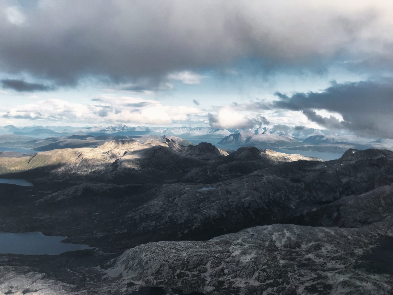 Cloud, Sky, Atmosphere, Mountain, Sunlight, Highland, Cumulus, Horizon