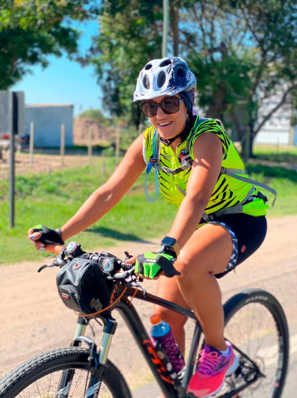 Bicycles--Equipment and supplies, Bicycle helmet, Land vehicle, Tire, Wheel, Shorts