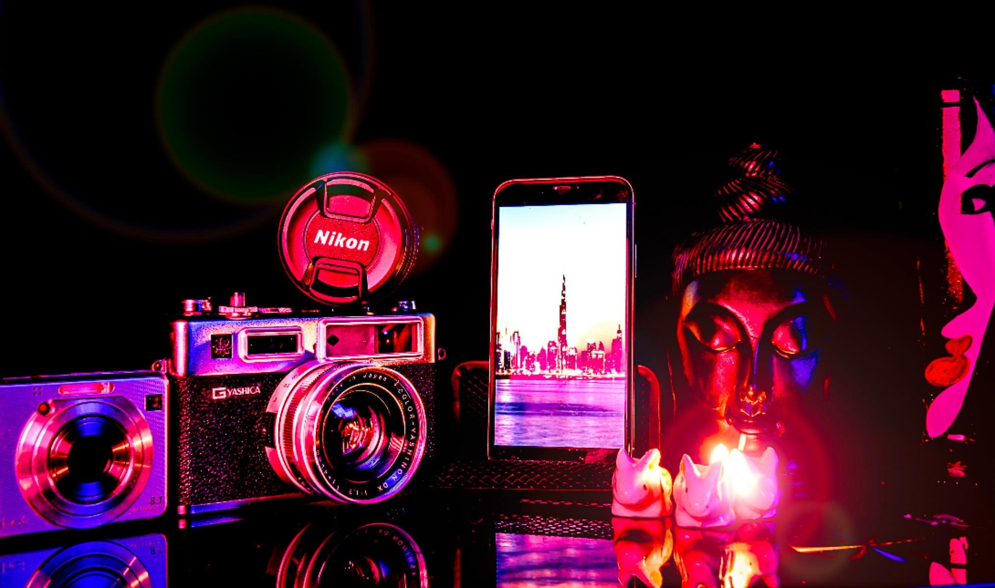 Cameras  optics, Communication Device, Mobile phone, Colorfulness, Electronics, Magenta, Technology, Red