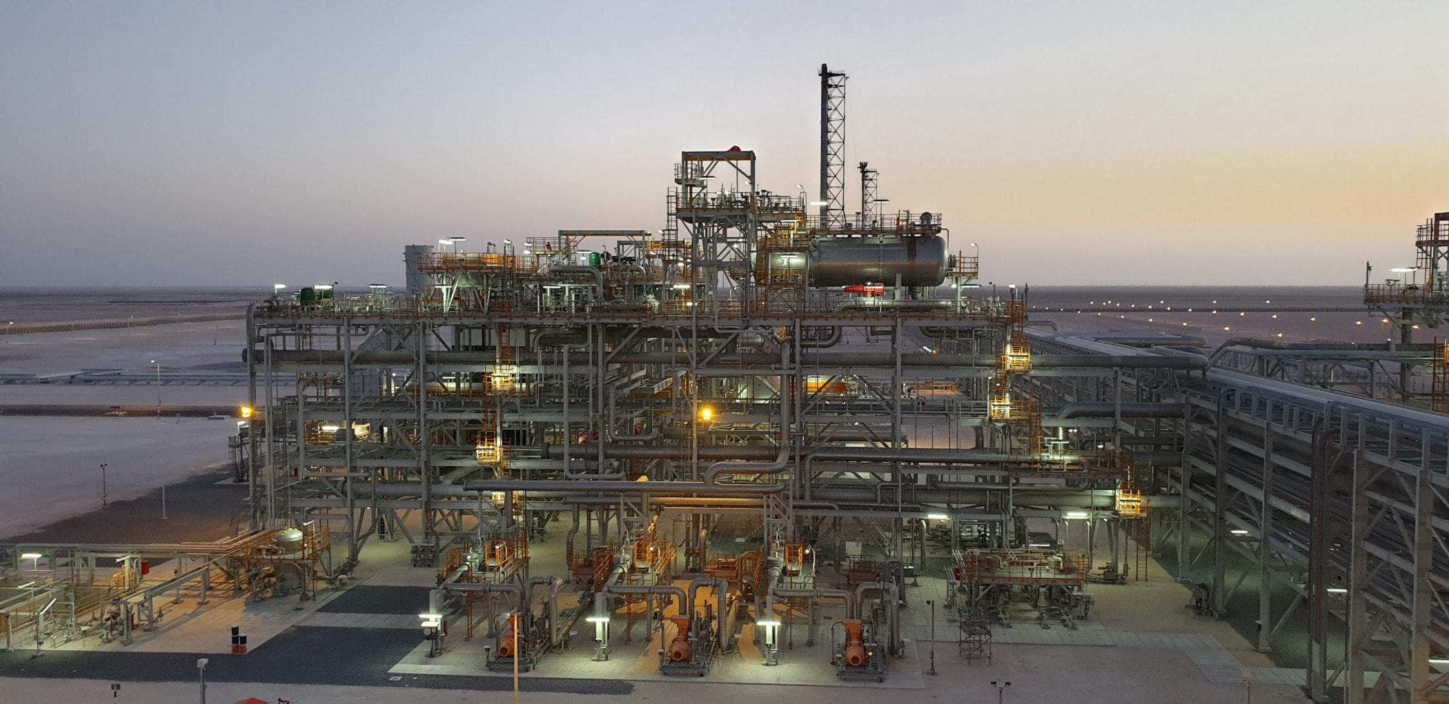 Oil rig, Industry
