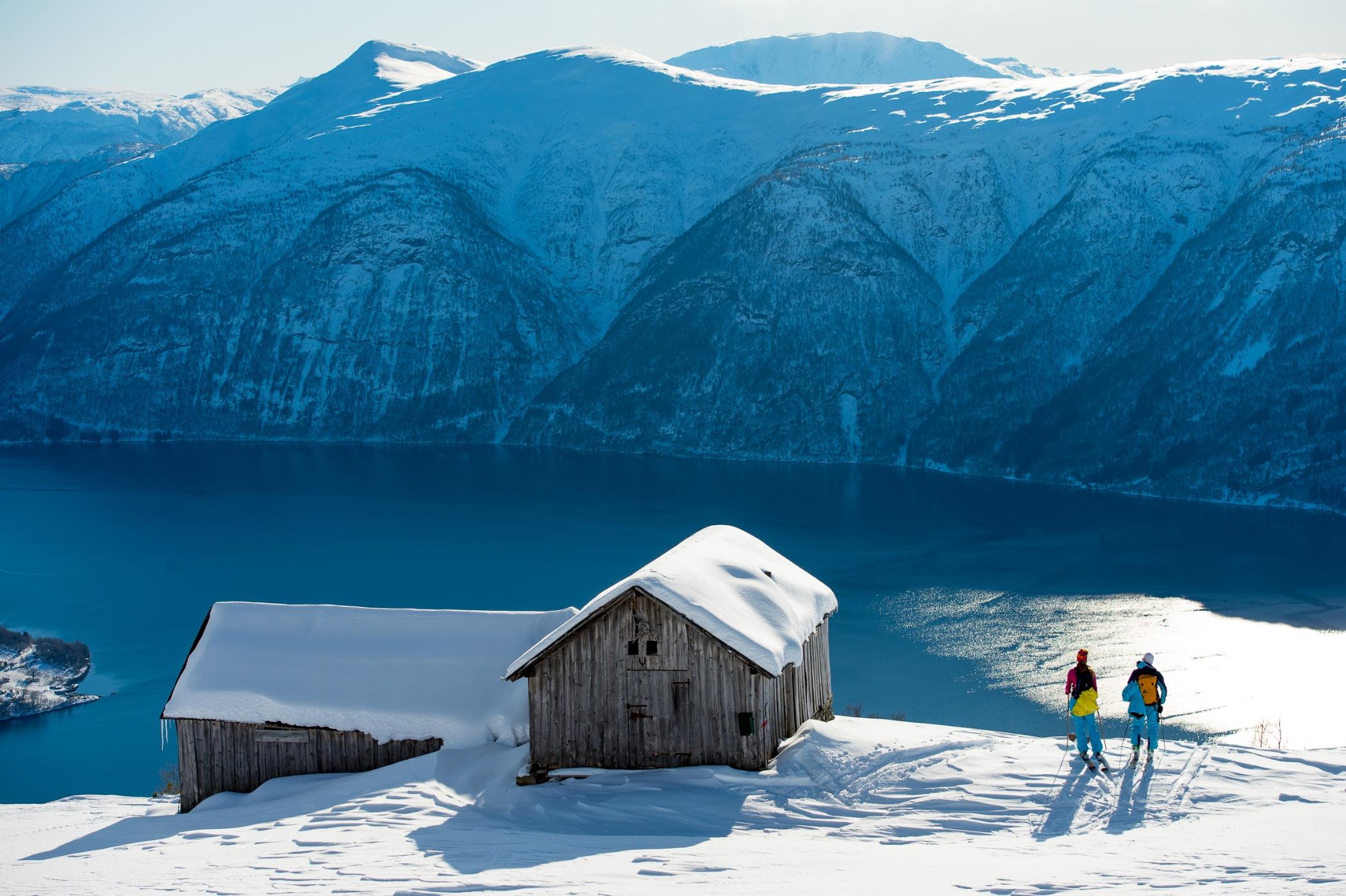 Winter sport, Ice cap, Glacial landform, Mountain range, Mountainous landforms, Freezing, Snow, Slope