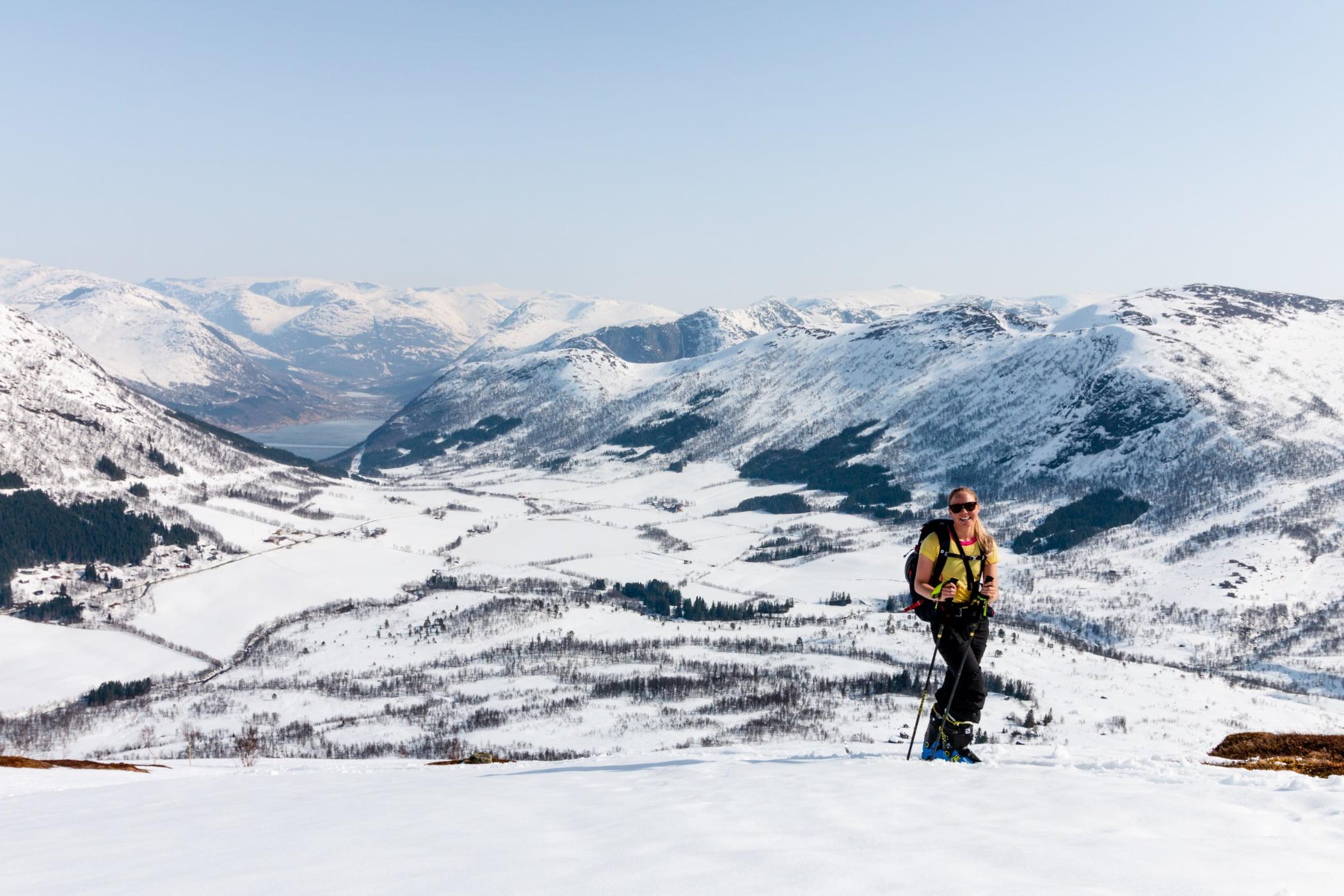 Ski pole, Outdoor recreation, Glacial landform, Winter sport, Mountainous landforms, Mountaineer, Mountain, Snow, Slope