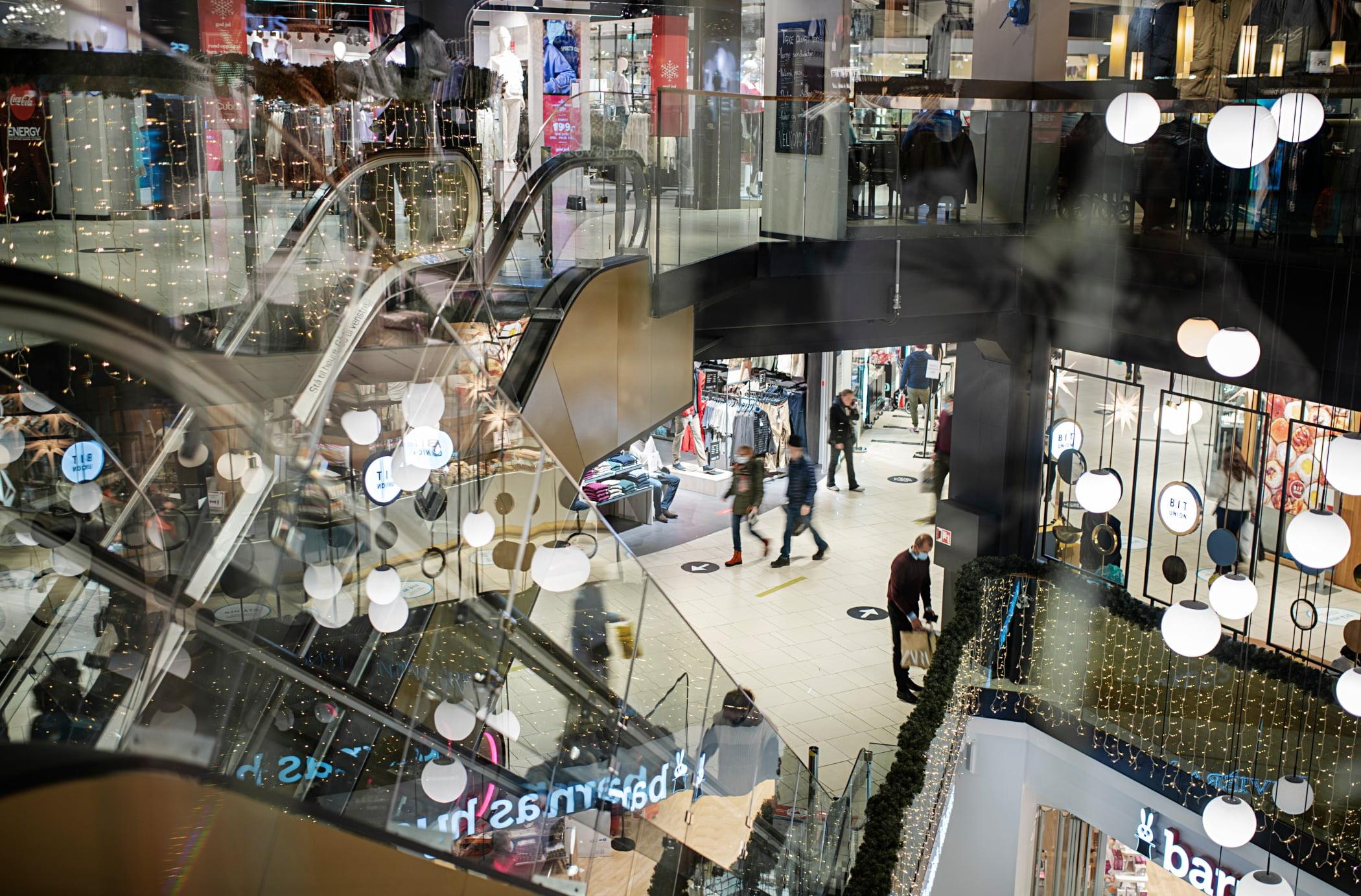 Shopping mall, Pedestrian, Retail