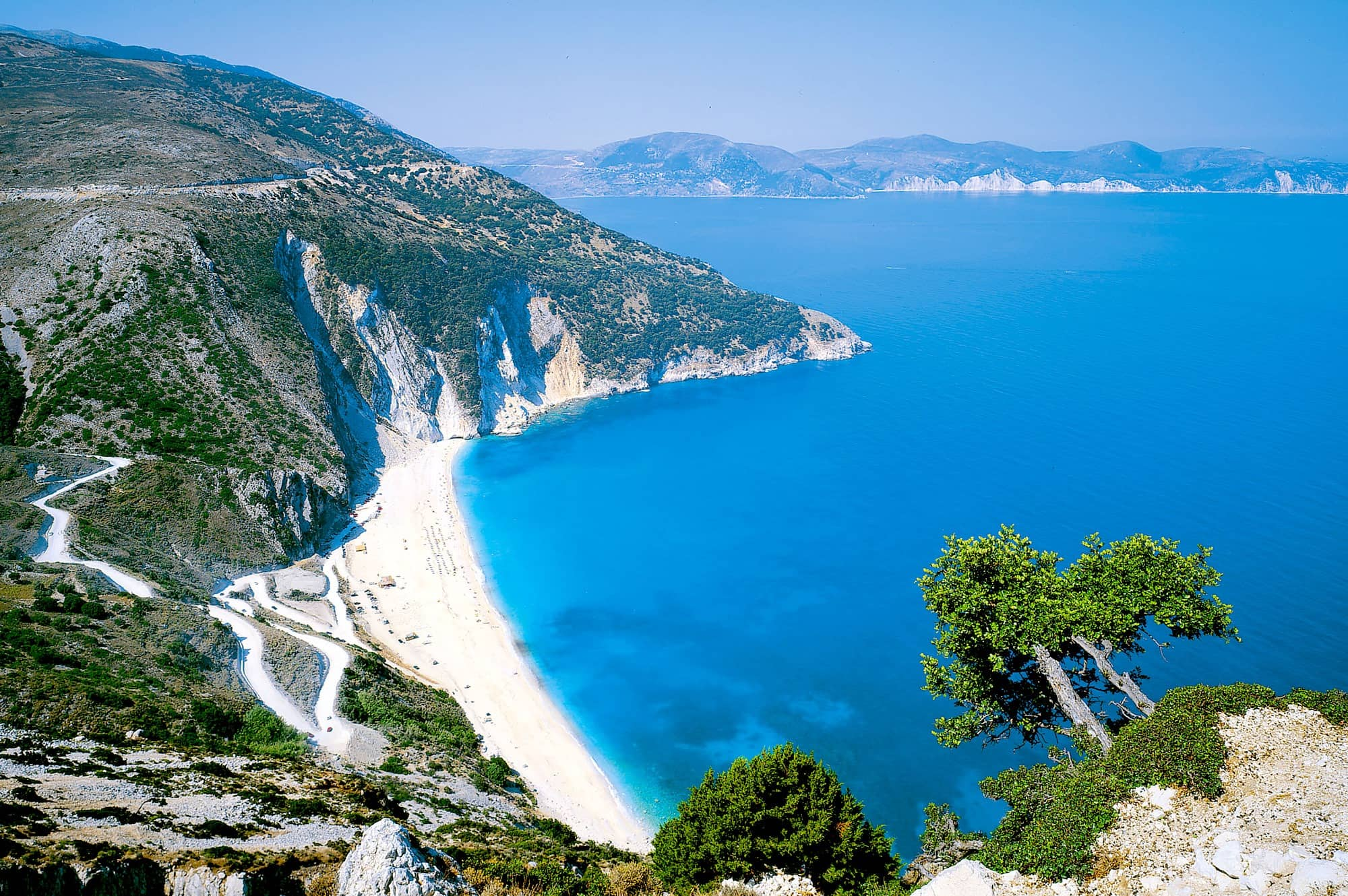 Kefalonia_Myrtos_Beach-photo-GNTO-D-Rozaki.jpg