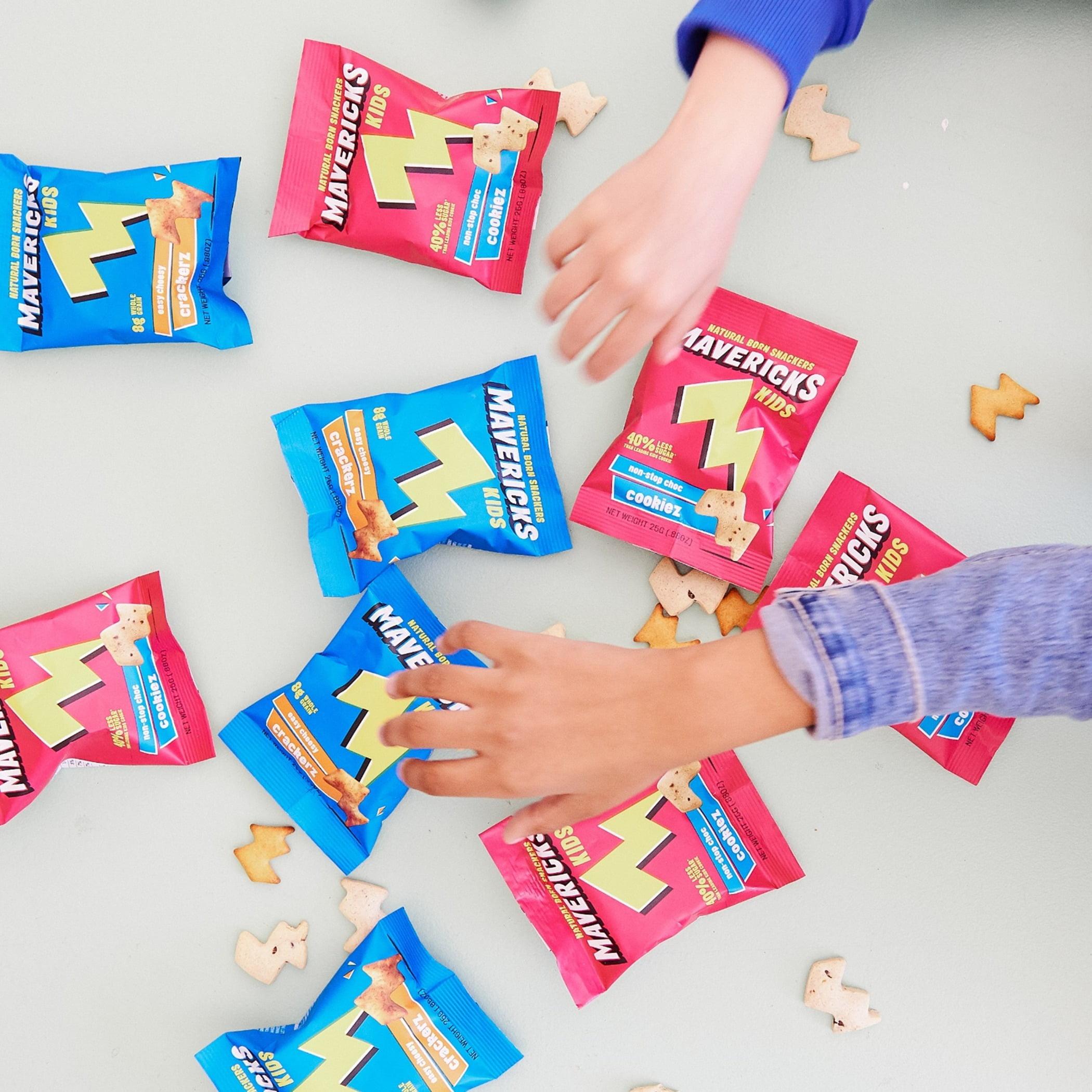 Snack bags, Puffed Snacks, Crunchy Snacks, Kids, Hand, Wrist, Finger