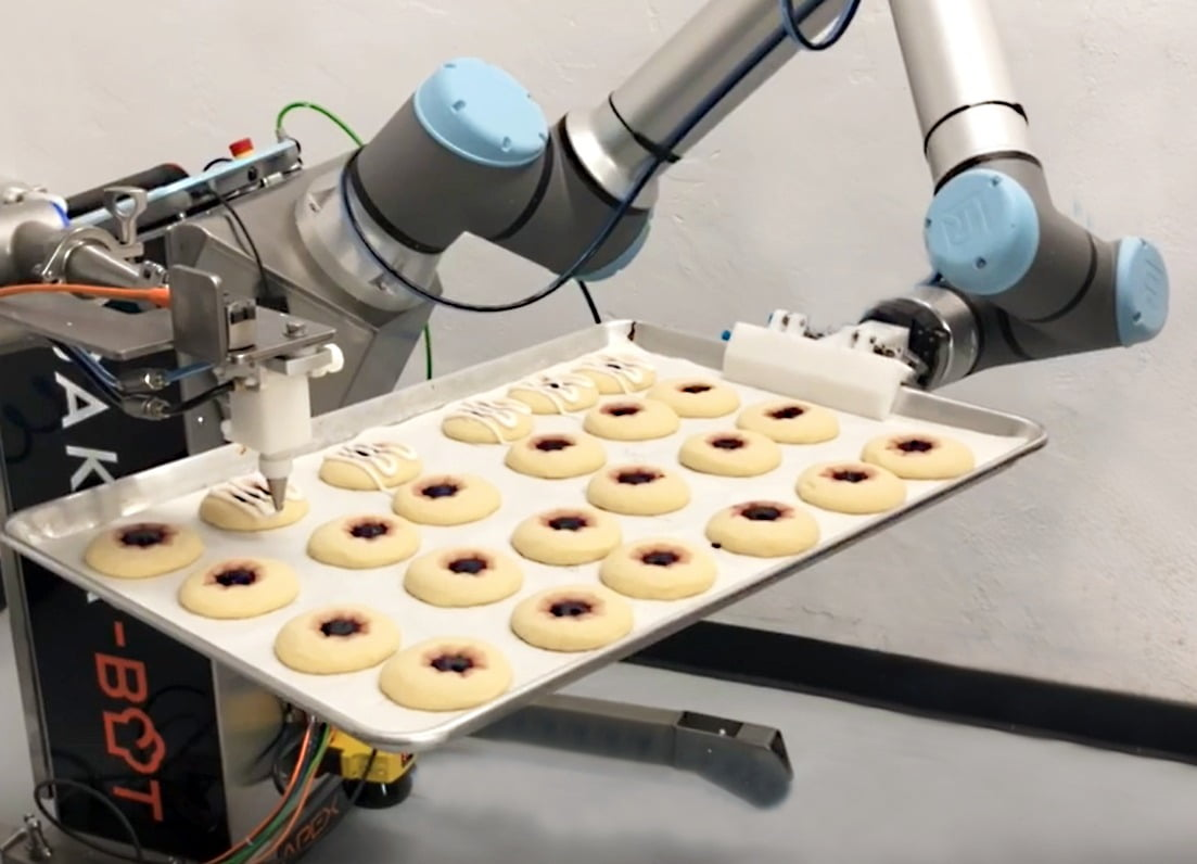 Robot, Robotic Arm, Tray, Bakery, Equipment, Machinery, Cookies, Decorating
