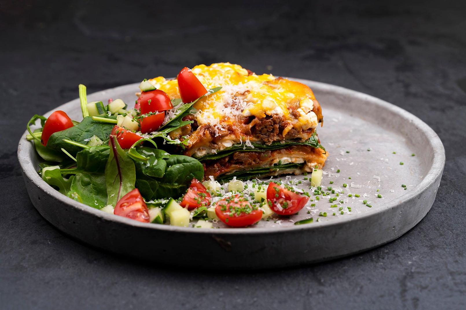 Fast food, Leaf vegetable, Fines herbes, Tableware, Ingredient, Recipe, Plate, Dish, Cuisine