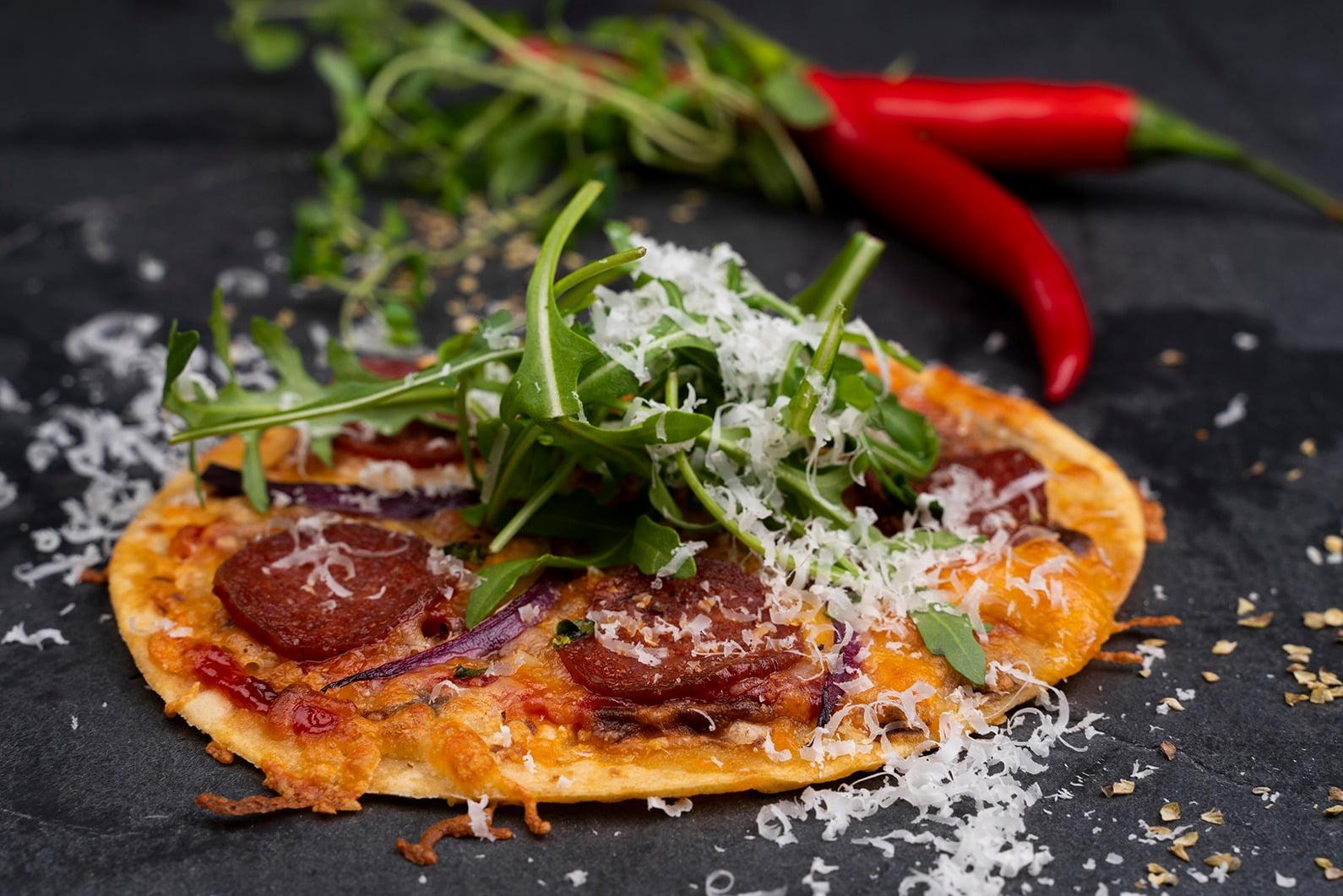 Fast food, Leaf vegetable, Tableware, Ingredient, Recipe, Dish, Cuisine