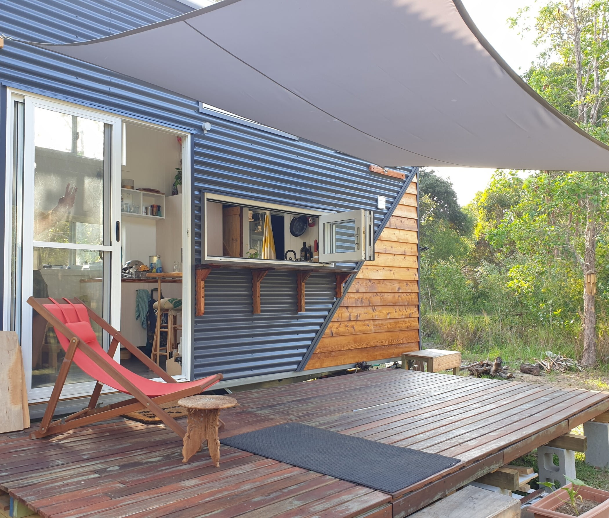 Outdoor furniture, Property, Wood, Shade, Window, Building, Architecture, Leisure