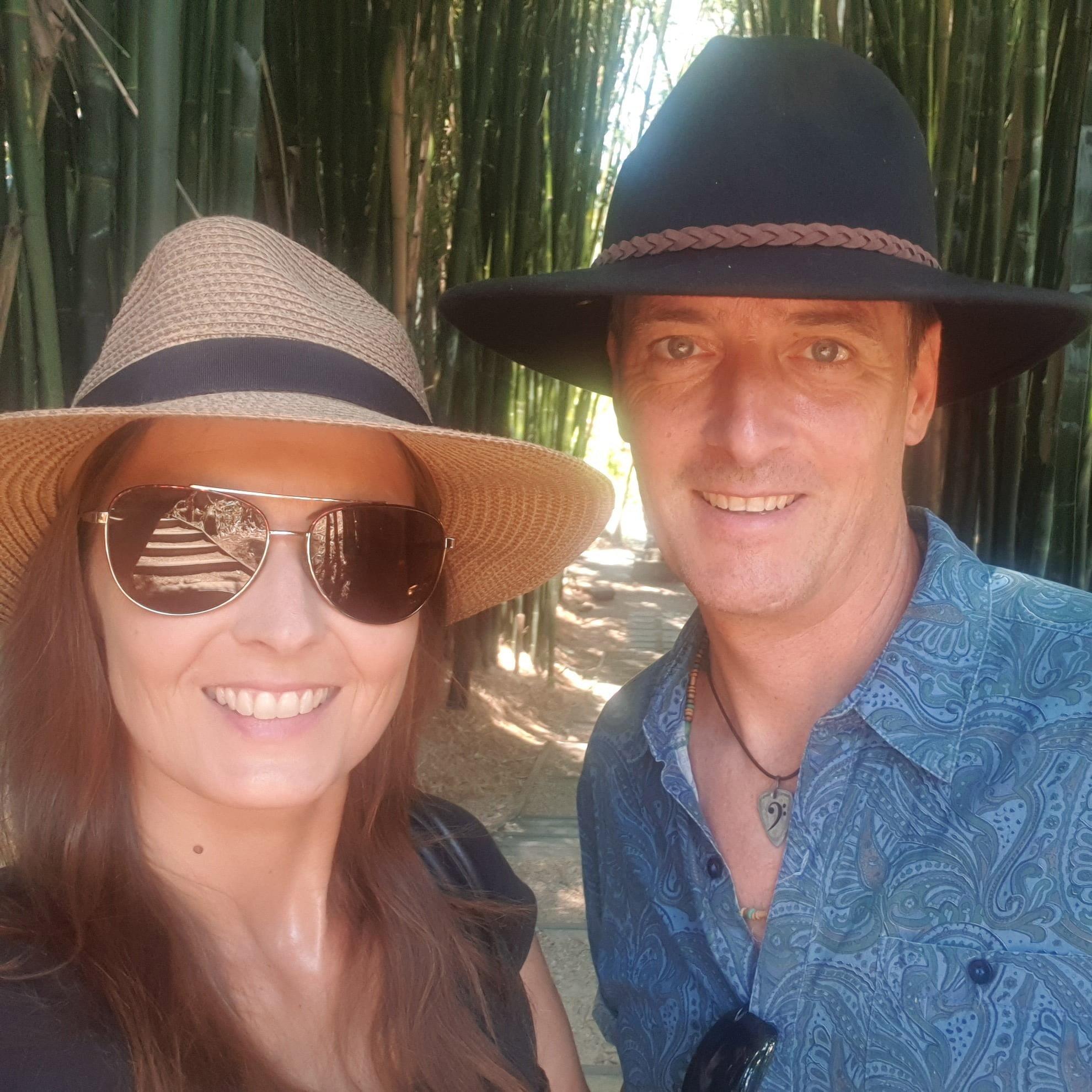 Sun hat, Vision care, Clothing, Smile, Face, Skin, Glasses, Goggles, Vertebrate