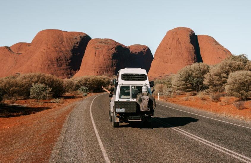 Land vehicle, Plant community, Automotive tire, Sky, Wheel, Ecoregion, Mountain