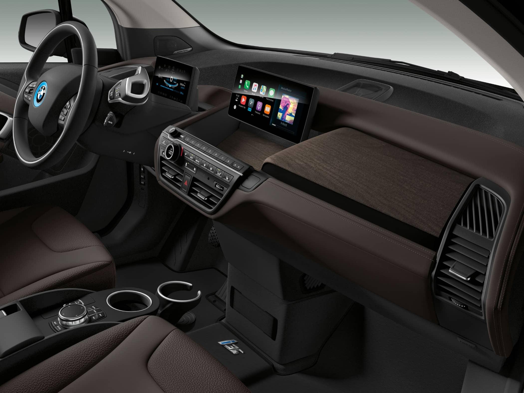 Automotive design, Luxury vehicle, Steering wheel, Center console, Car