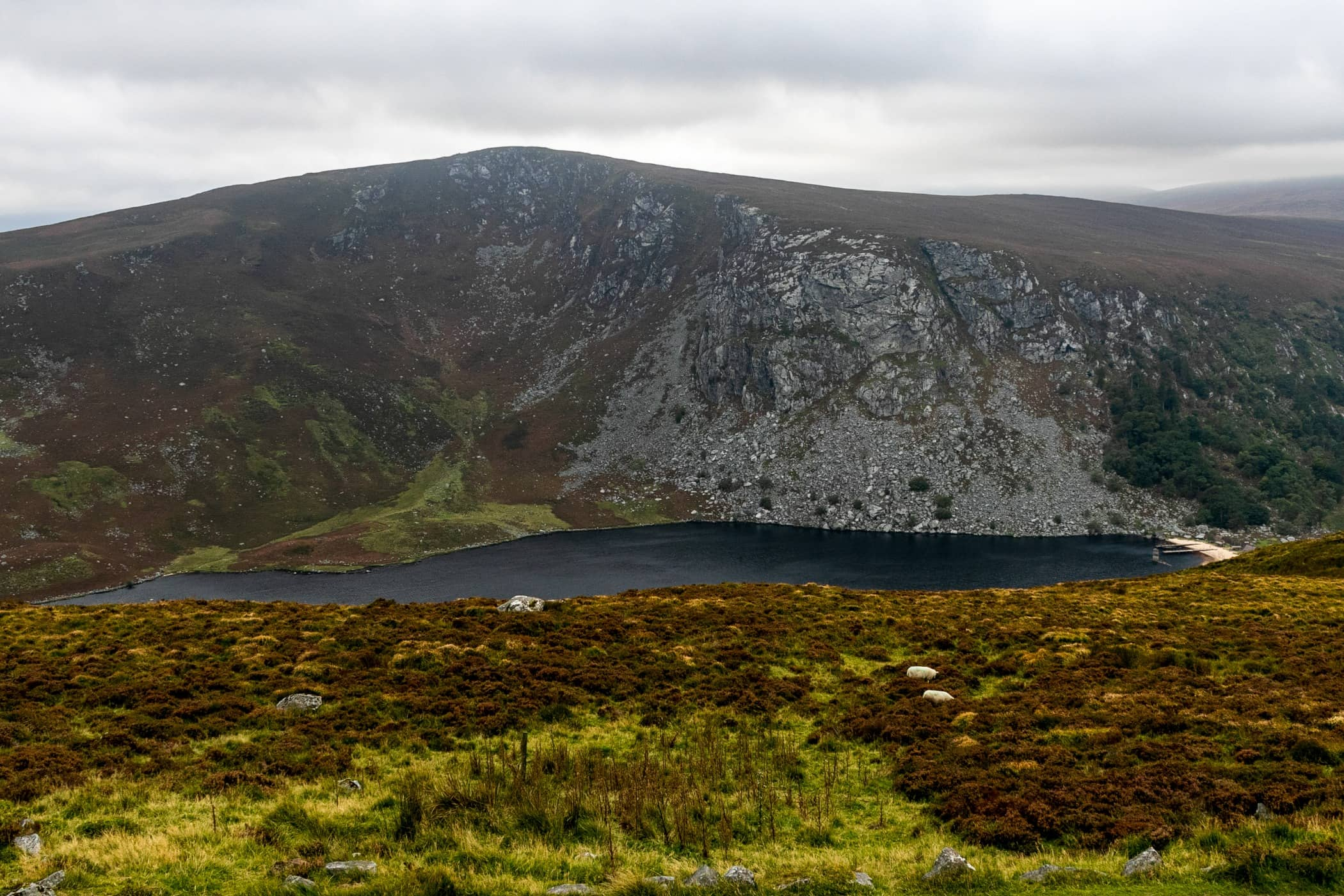 Natural landscape, Mountainous landforms, Loch, Wilderness, Lake, Fell, Hill, Tarn, Mountain, Highland