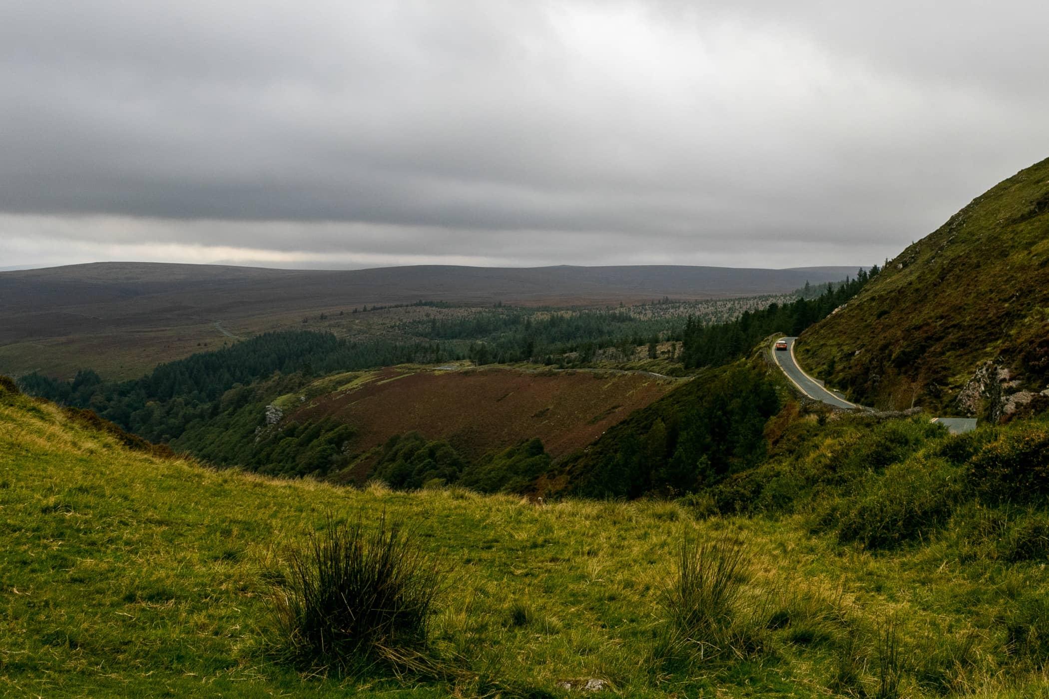 Mountainous landforms, Wilderness, Grassland, Fell, Sky, Green, Mountain, Nature, Hill, Highland