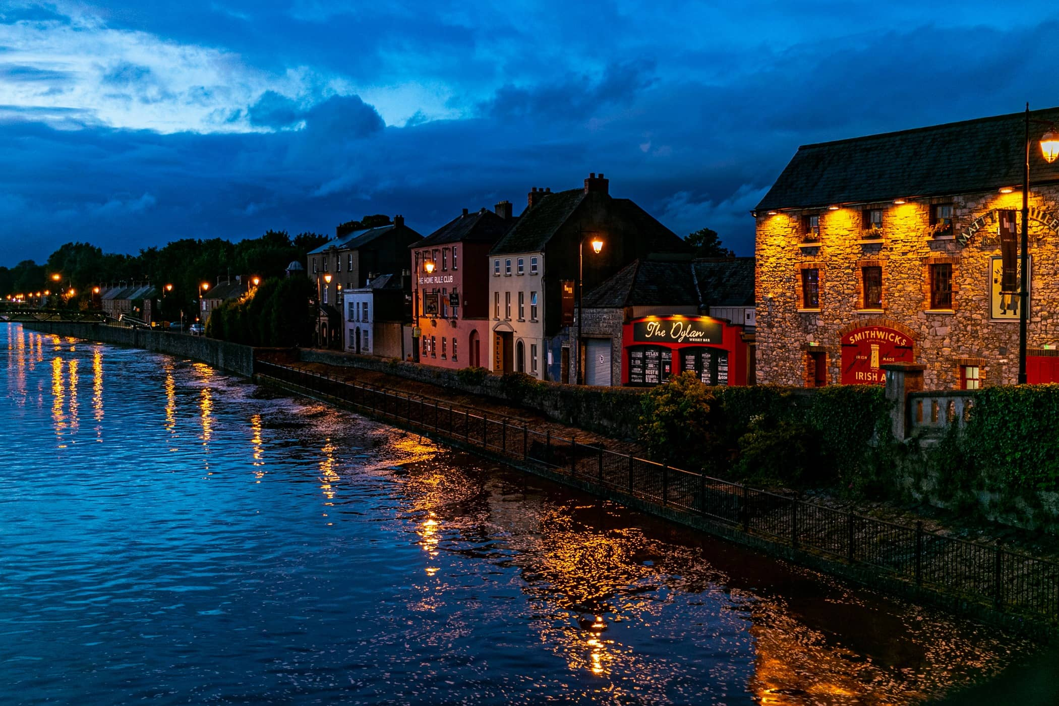 Light, Town, Lighting, Evening, Waterway, Blue, Night, Sky, Water, Reflection