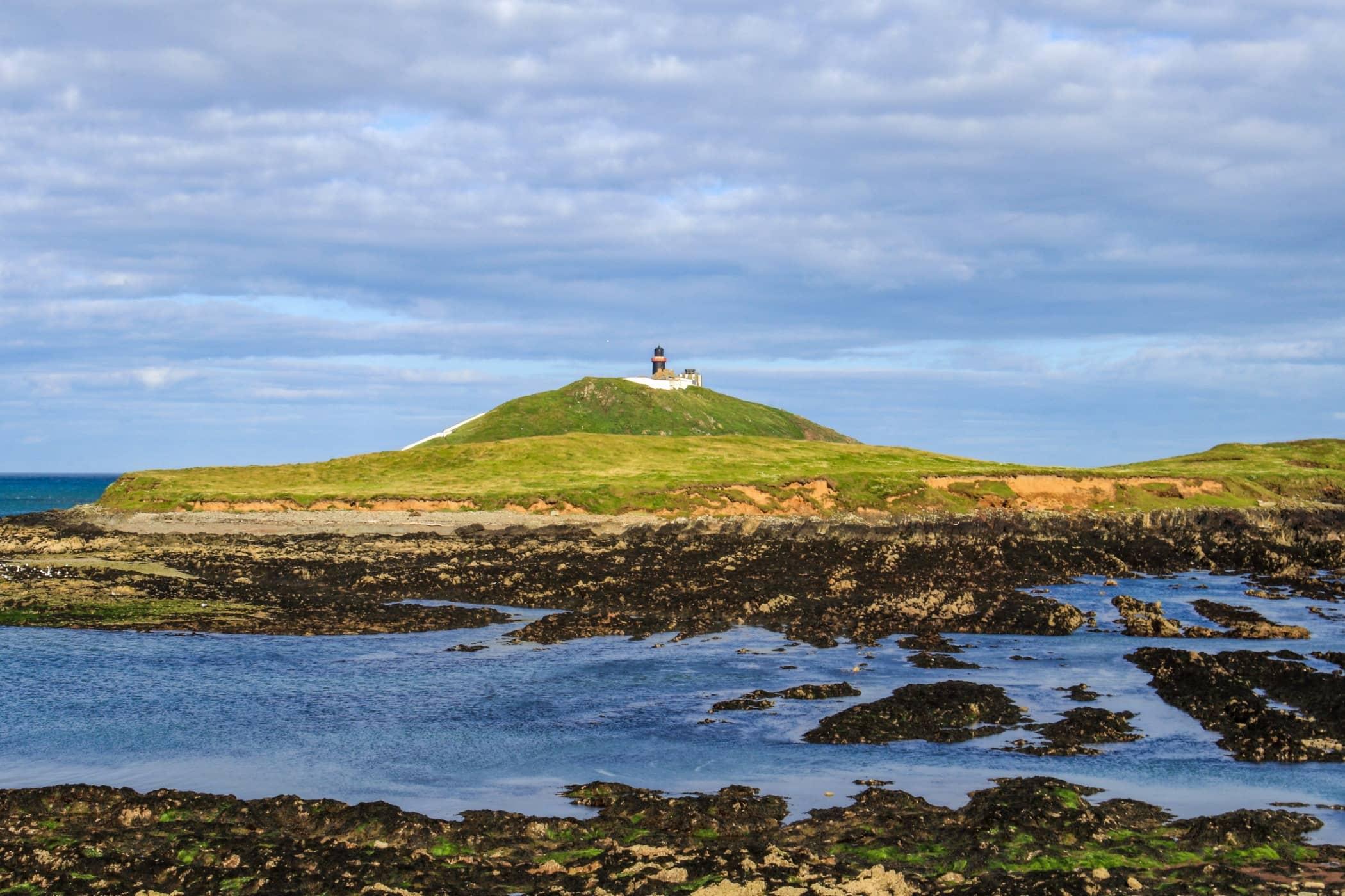 Raised beach, Ocean, Highland, Promontory, Hill, Coast, Headland, Sea, Sky