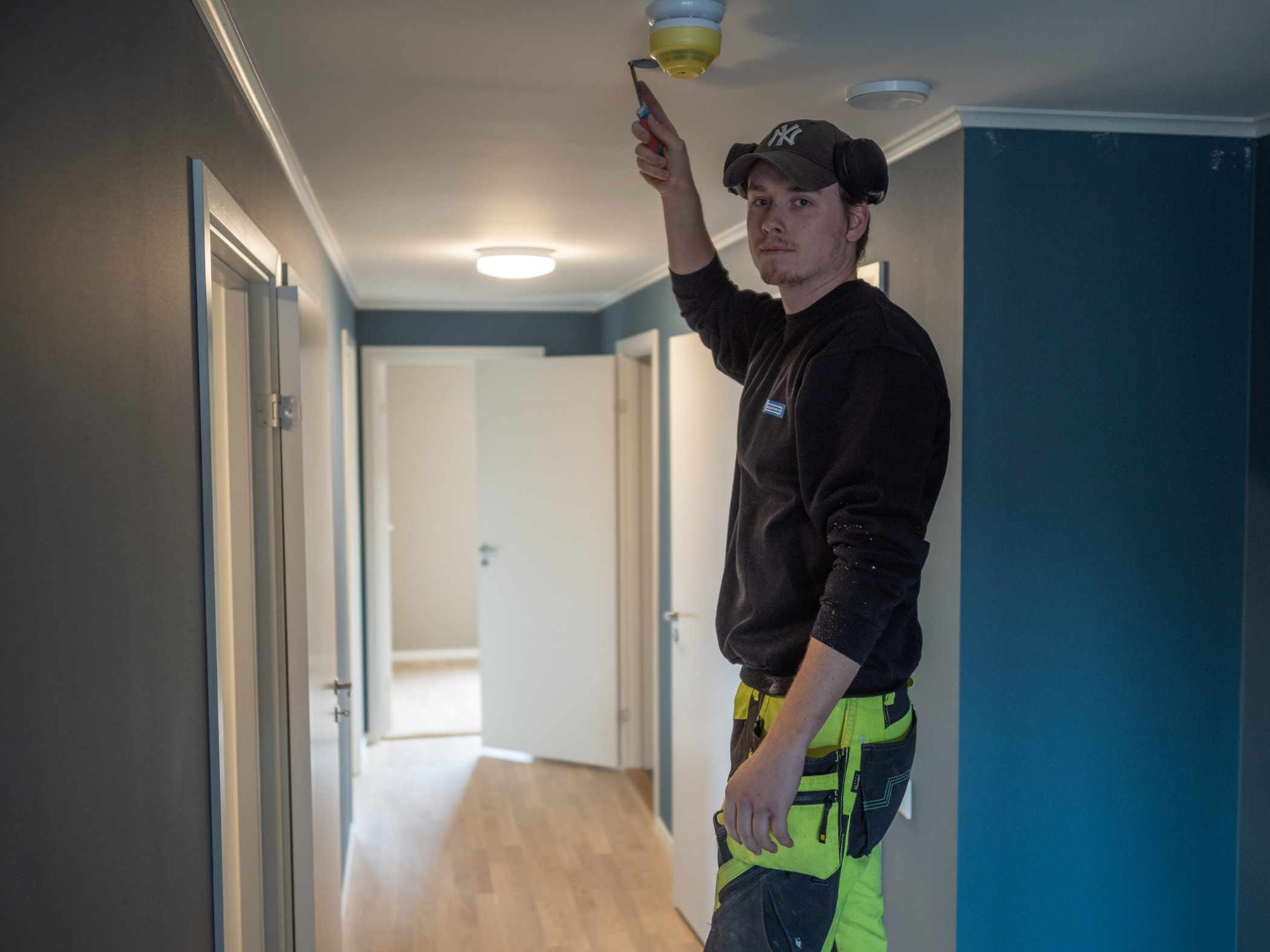Ceiling, Yellow, Room, Standing