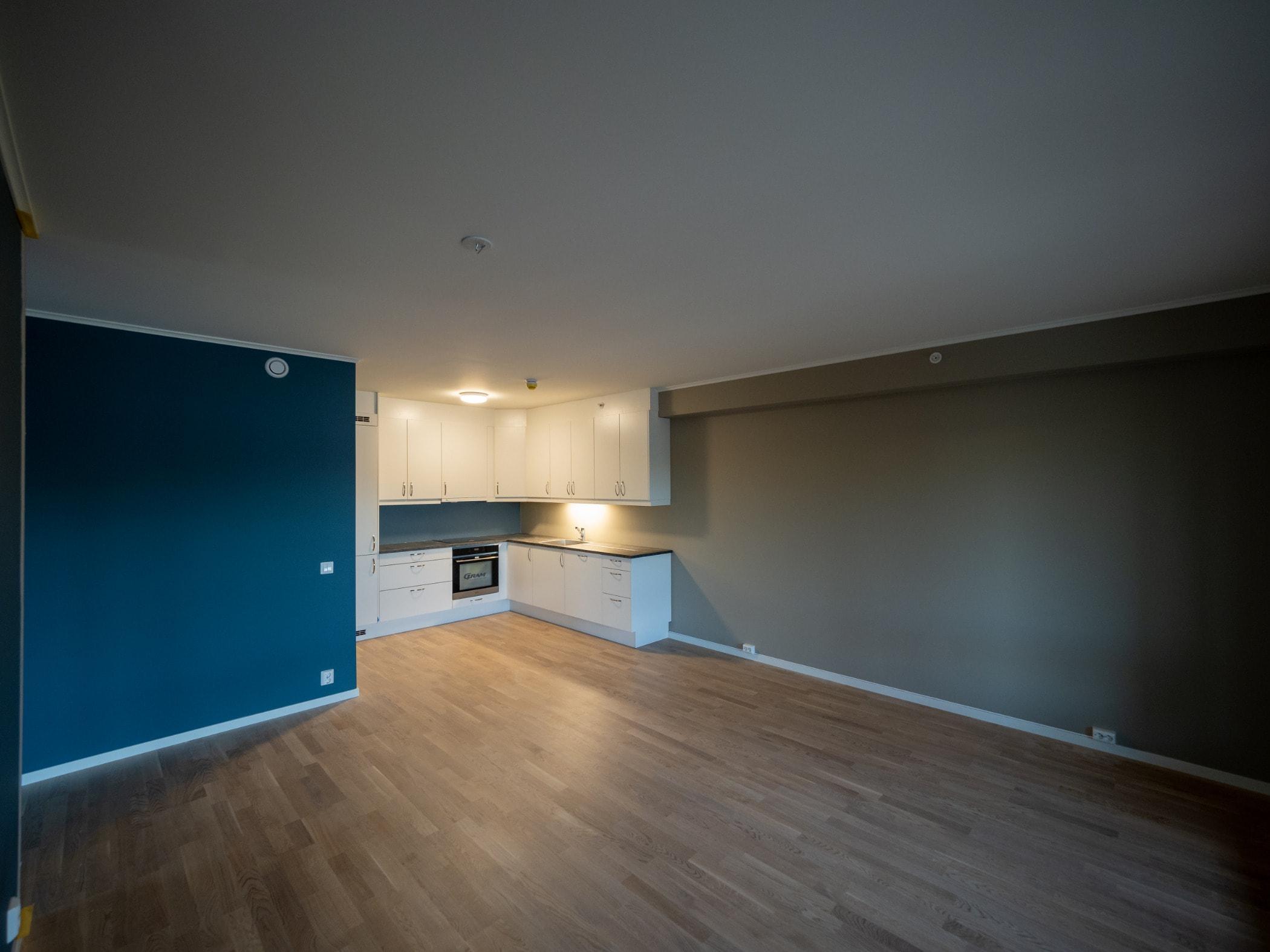 Wood flooring, Wall, Building, Property, Hardwood, Room, Floor