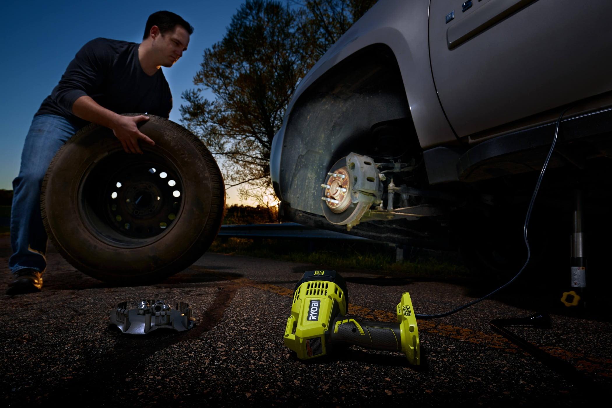 Automotive tire, Motor vehicle, Synthetic rubber, Wheel, Sky, Tread