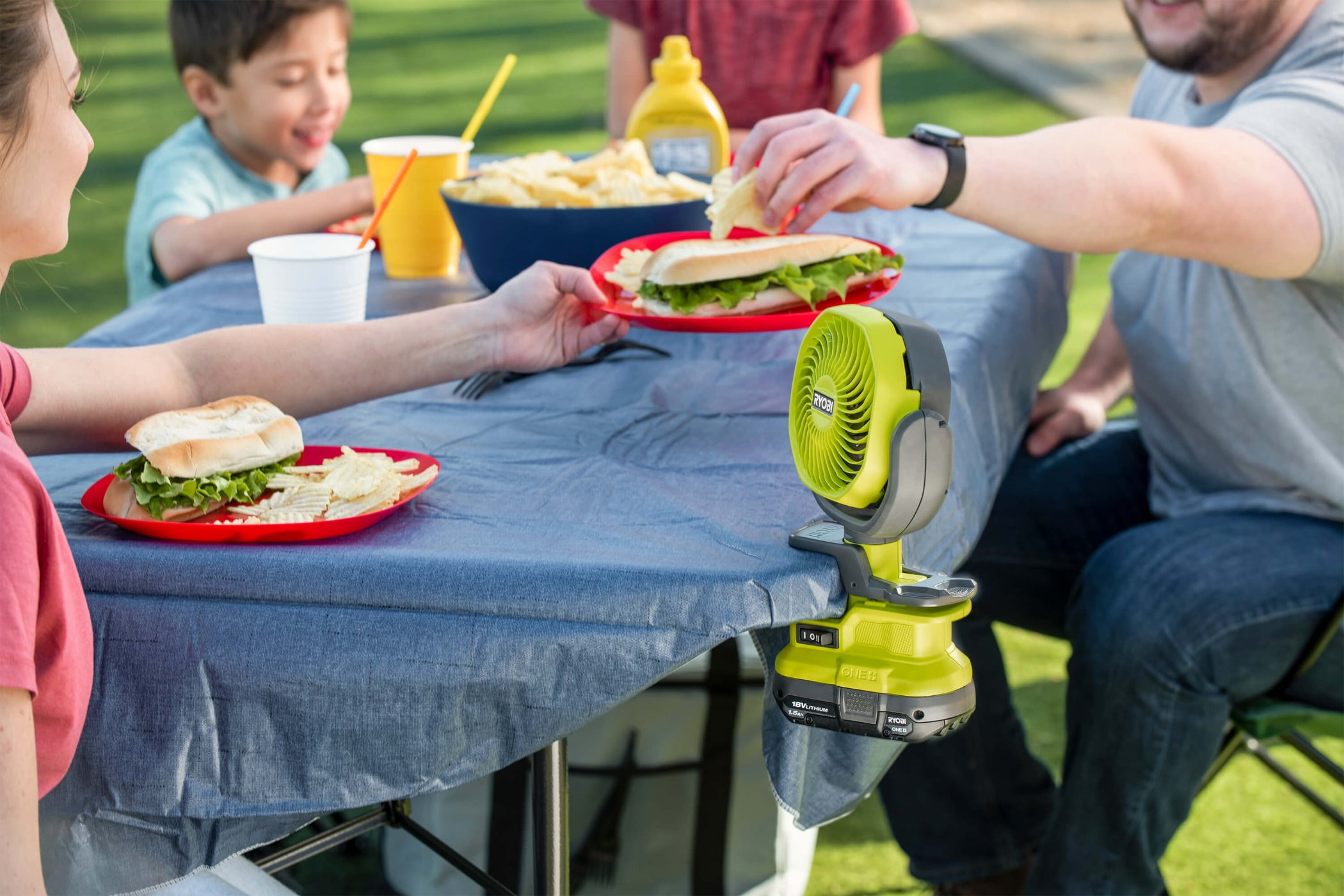 Food craving, Outdoor recreation, Jeans, Green, Tableware, Sharing, Yellow, Cuisine, Plate