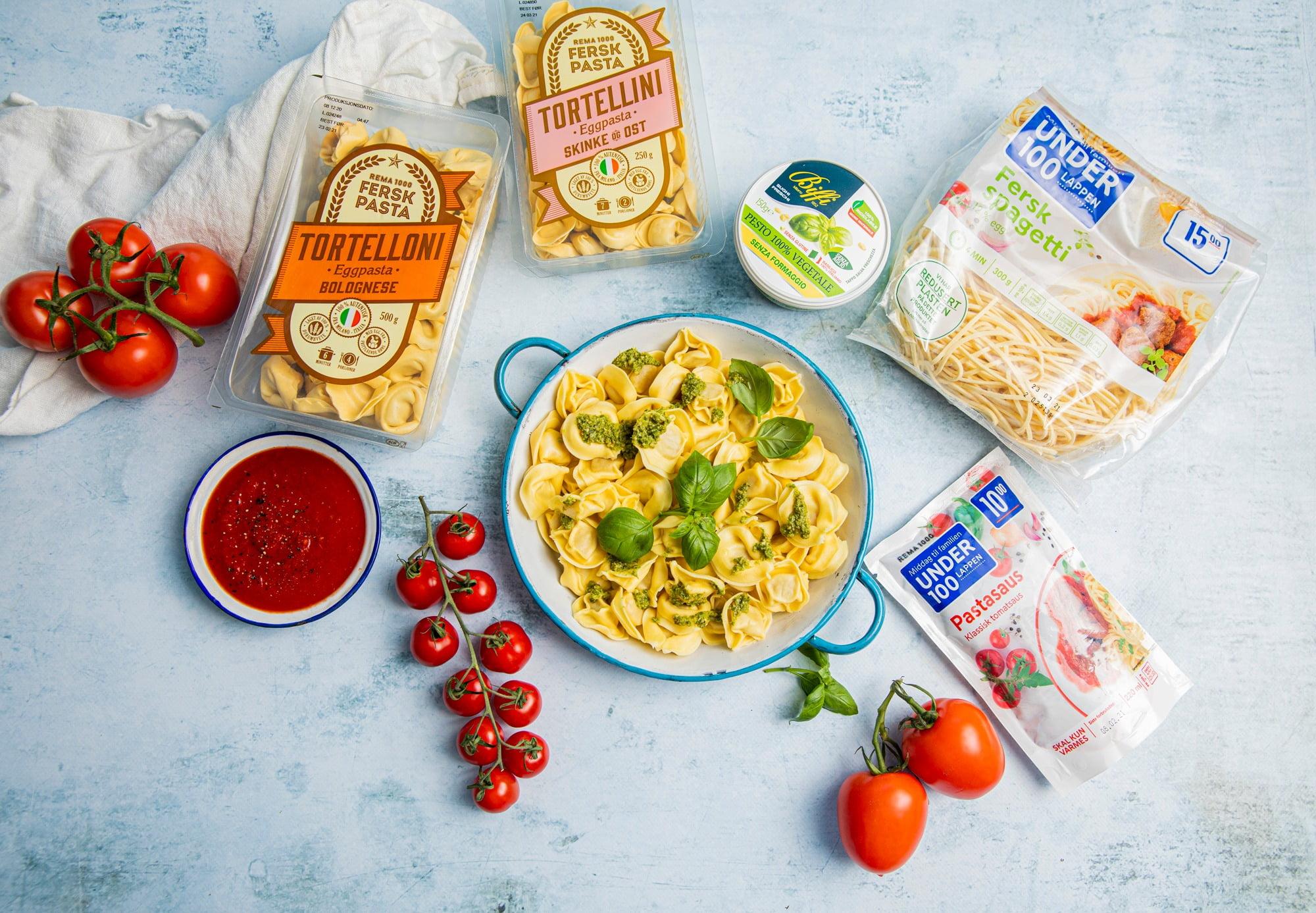 Plum tomato, Cherry Tomatoes, Natural foods, Food, Tableware, Ingredient, Fruit, Plant, Recipe