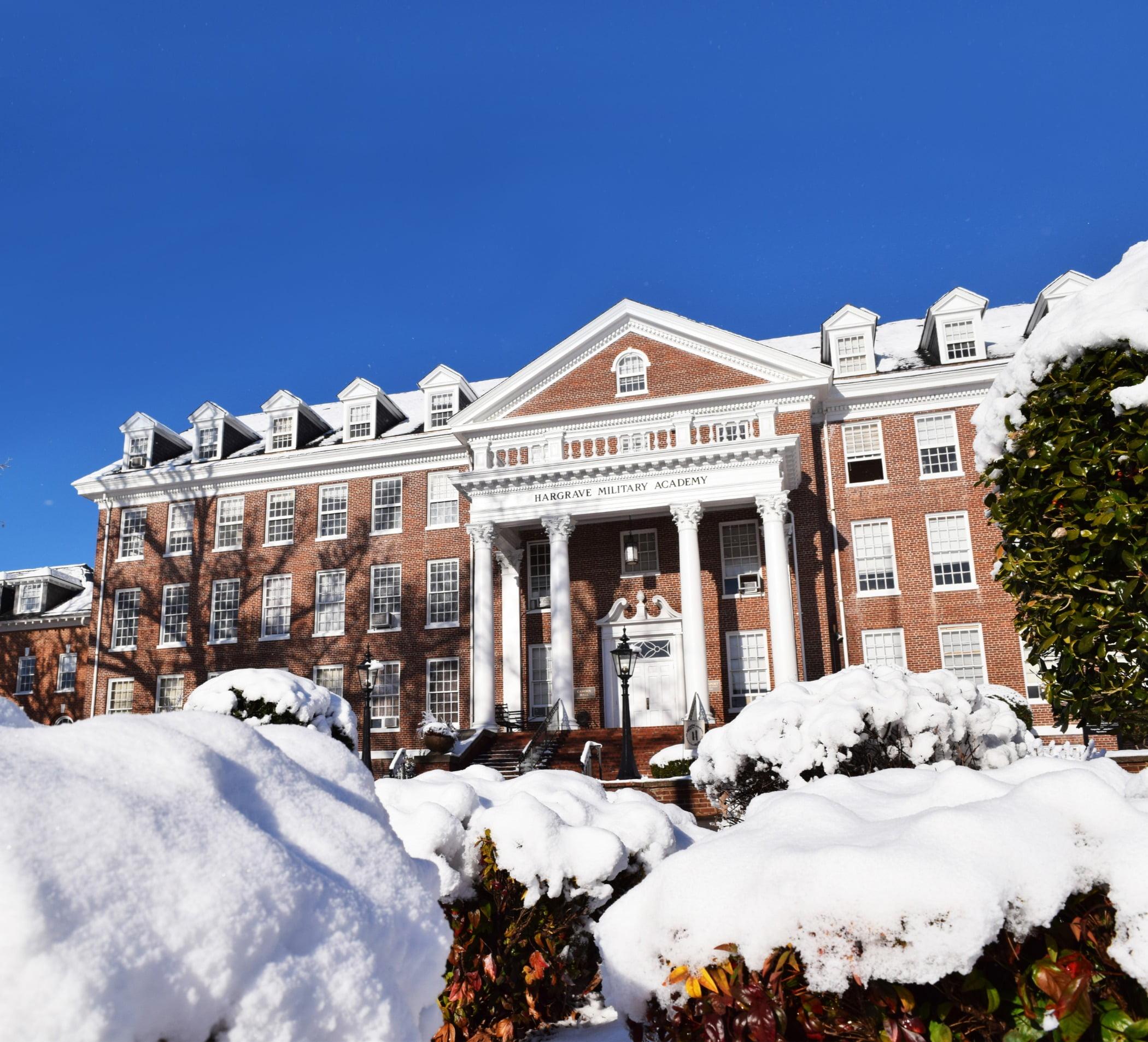 Sky, Plant, Building, Snow