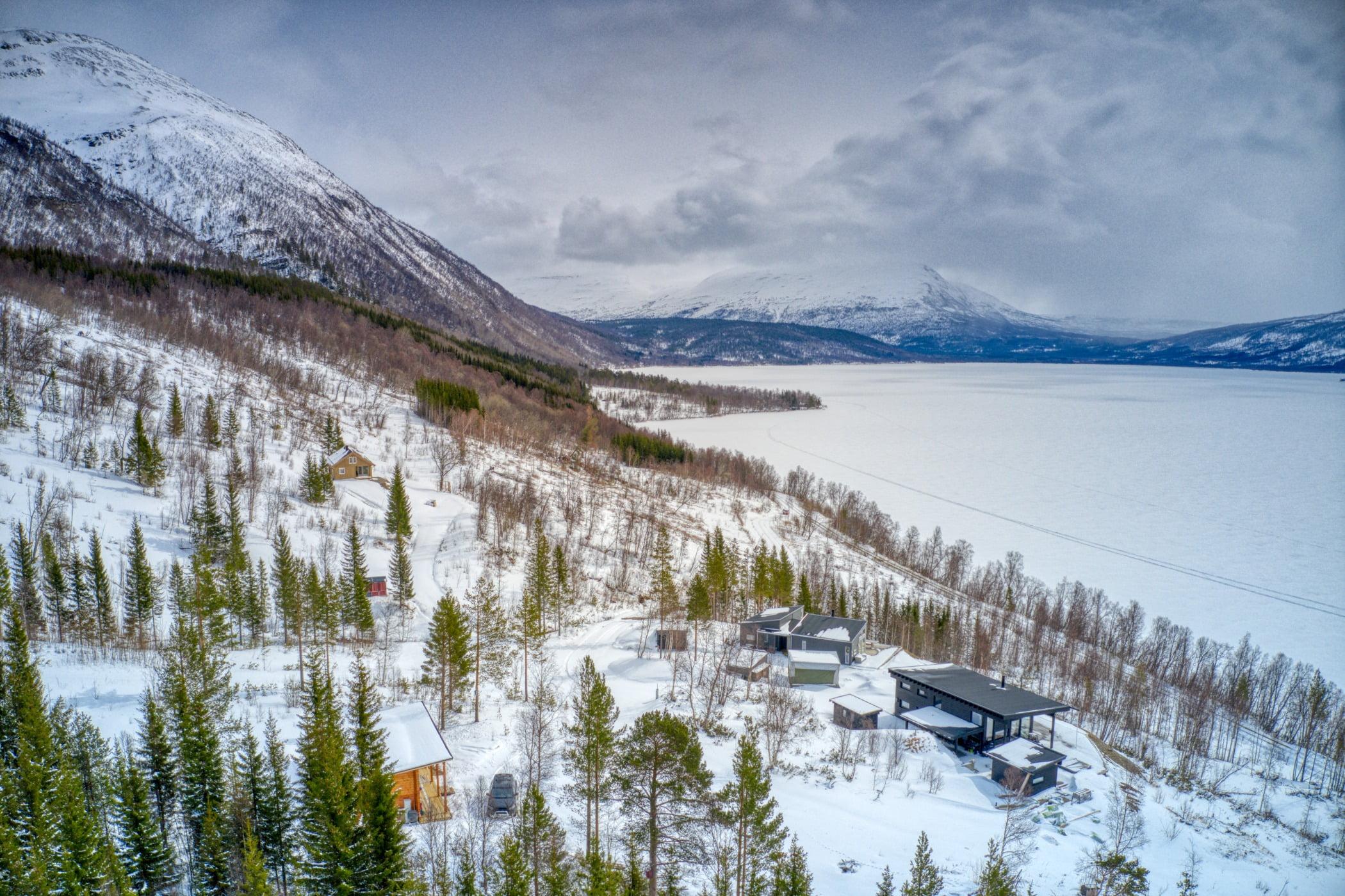 Natural landscape, Cloud, Mountain, Sky, Snow, Plant, Ecoregion, Nature, Tree, Slope