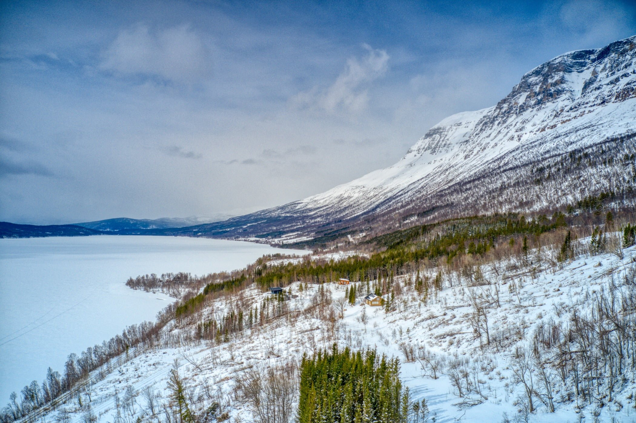 Natural landscape, Sky, Cloud, Snow, Mountain, Nature, Slope, Highland, Freezing, Plant