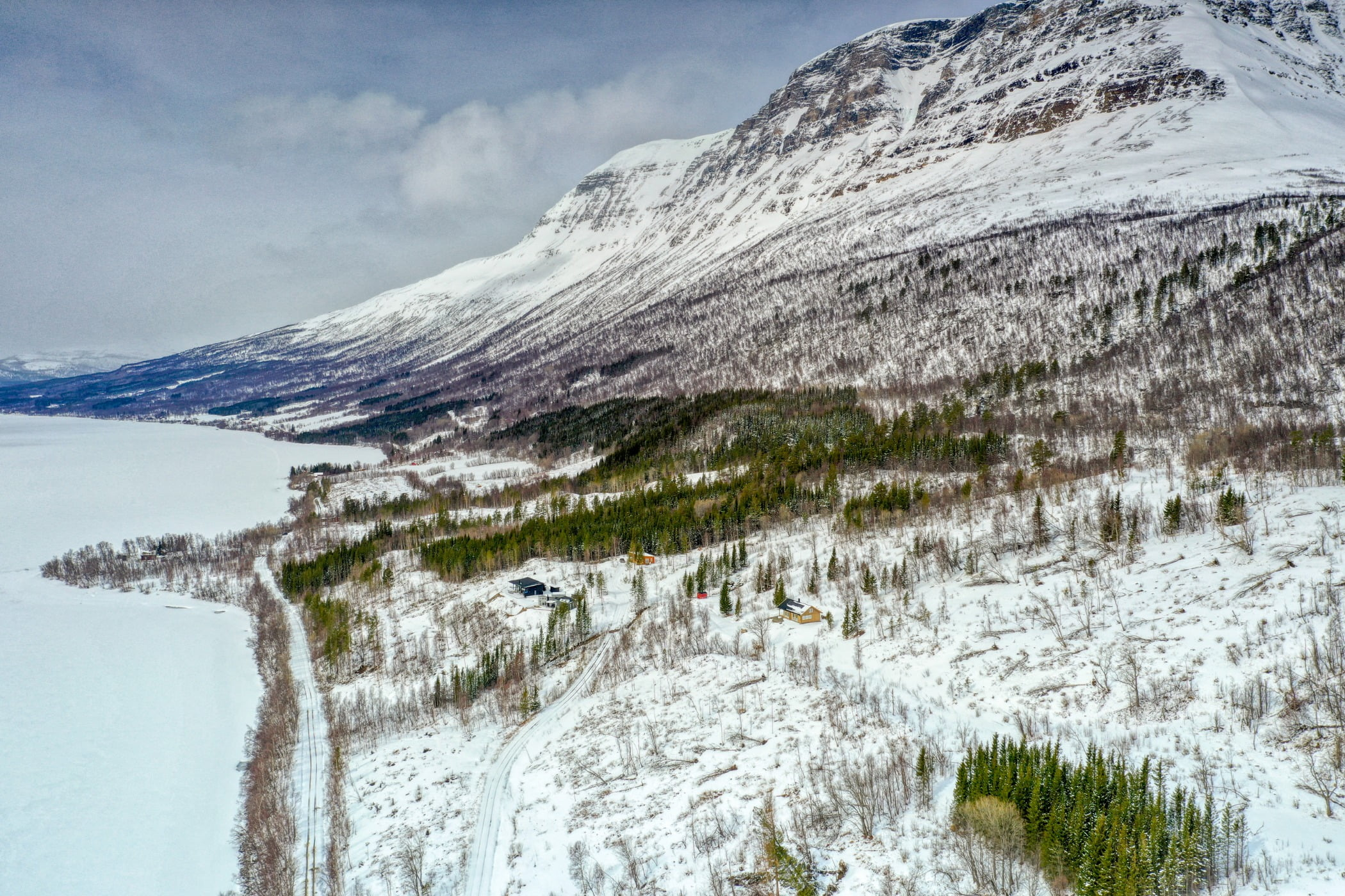 Natural landscape, Ice cap, Sky, Plant, Snow, Cloud, Mountain, Slope, Highland, Terrain