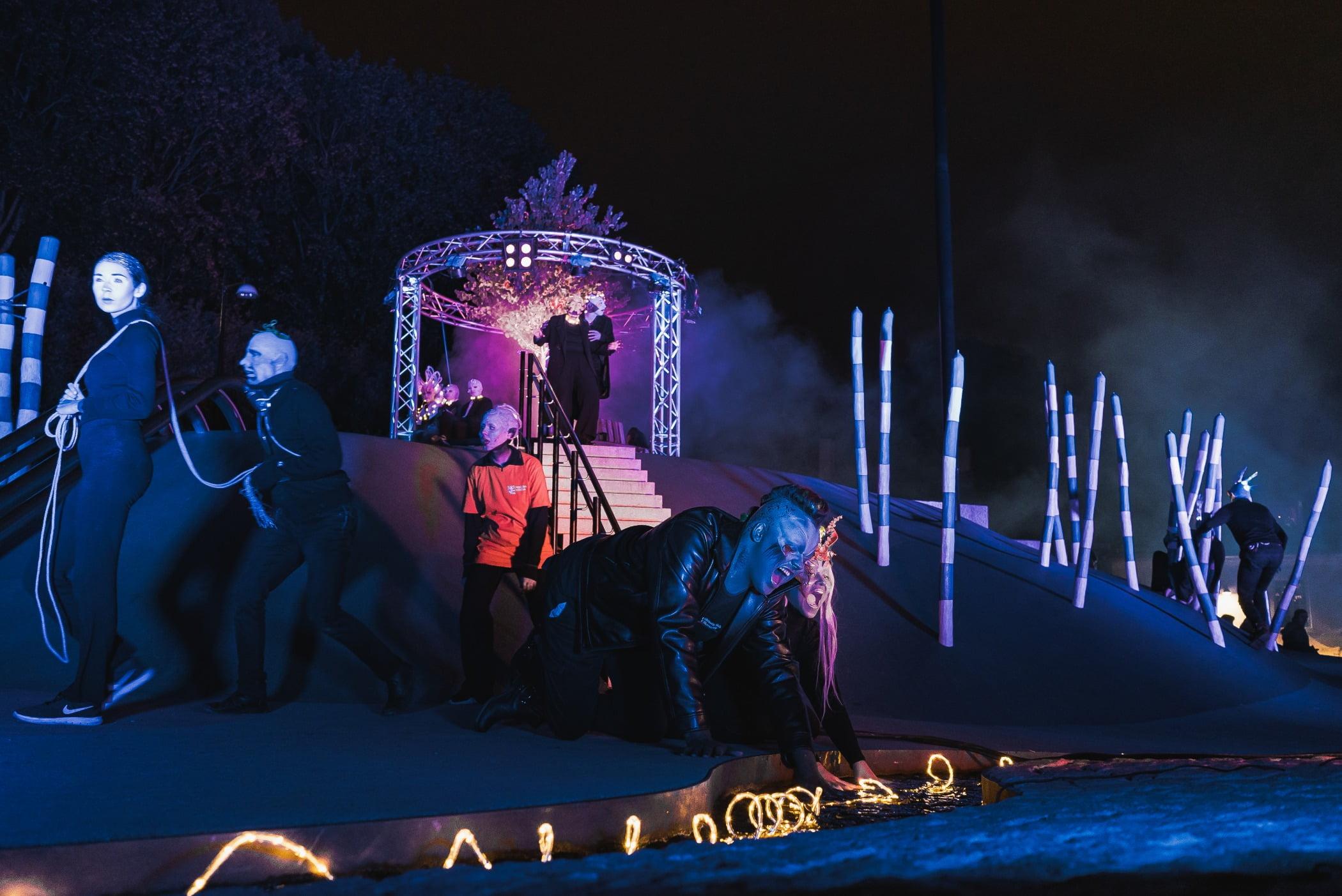 Majorelle blue, Music venue, Darkness, Stage