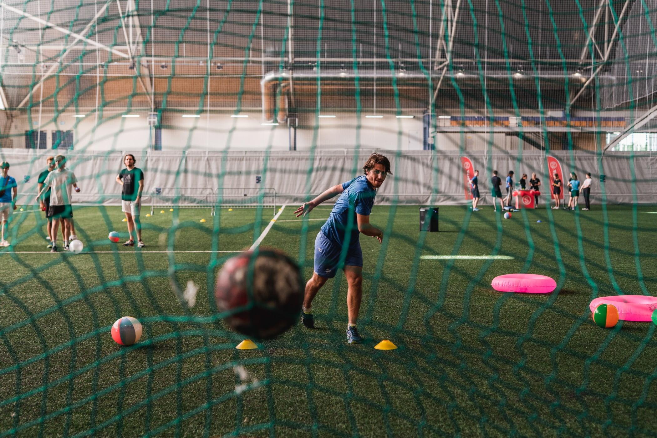 Playing sports, Team sport, Soccer ball, Player, Football, Grass