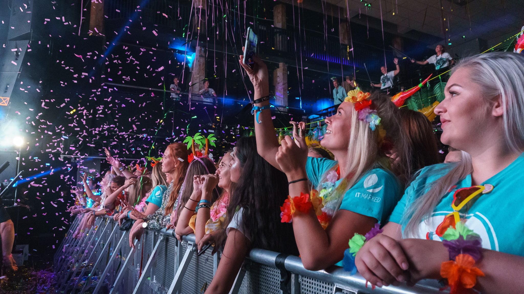 Public event, Party, Audience, Fan, Celebrating, Crowd, Entertainment, Product, People