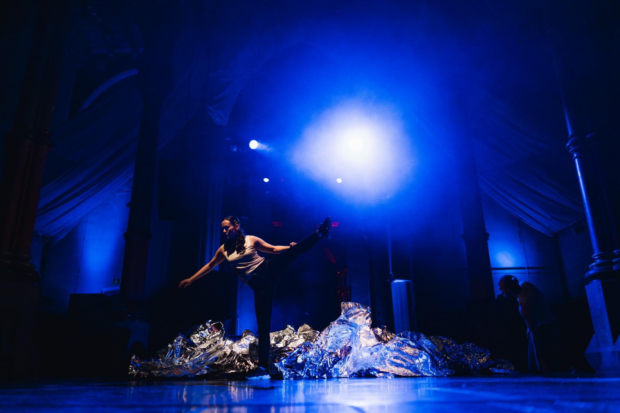 Music artist, Concert dance, Performance art, Performing arts, heater, Stage, Entertainment