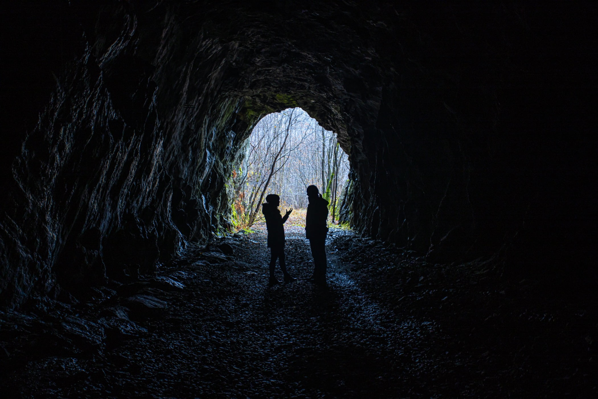 People in nature, Tunnel