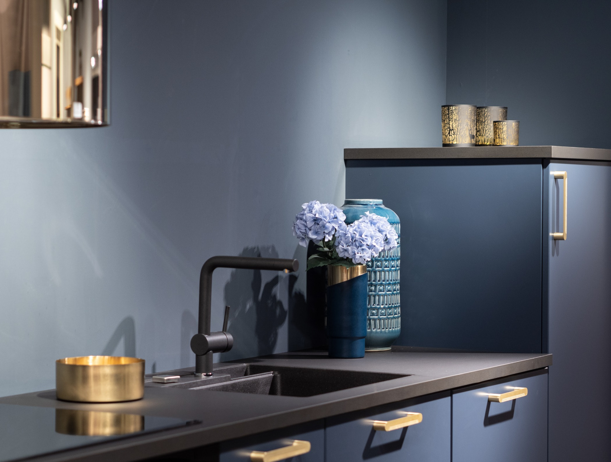 Turquoise, Yellow, Furniture, Room, Countertop, Shelf, Blue
