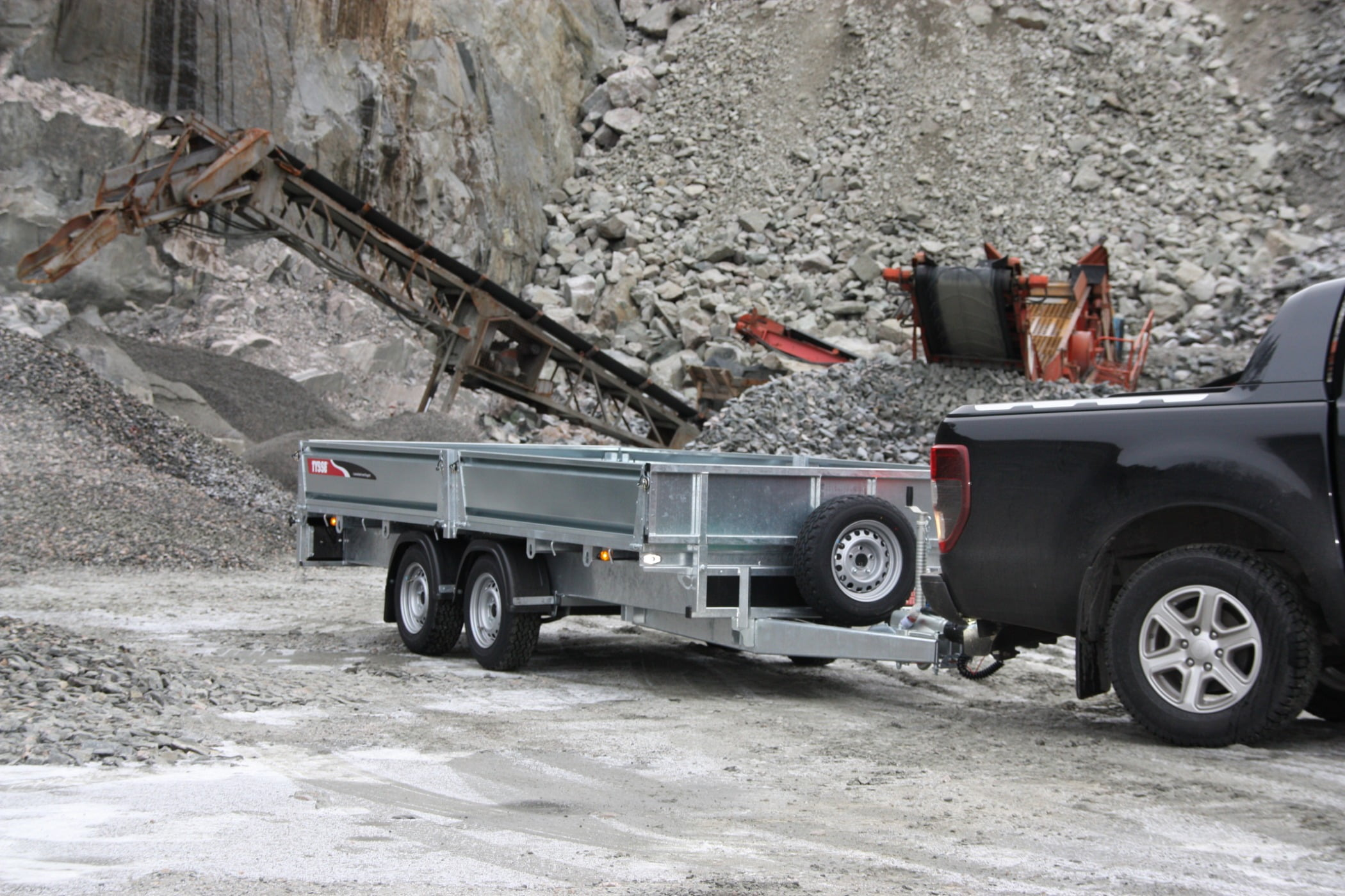 Alloy wheel, Pickup truck, Land vehicle, Automotive tire, Fender, Rim