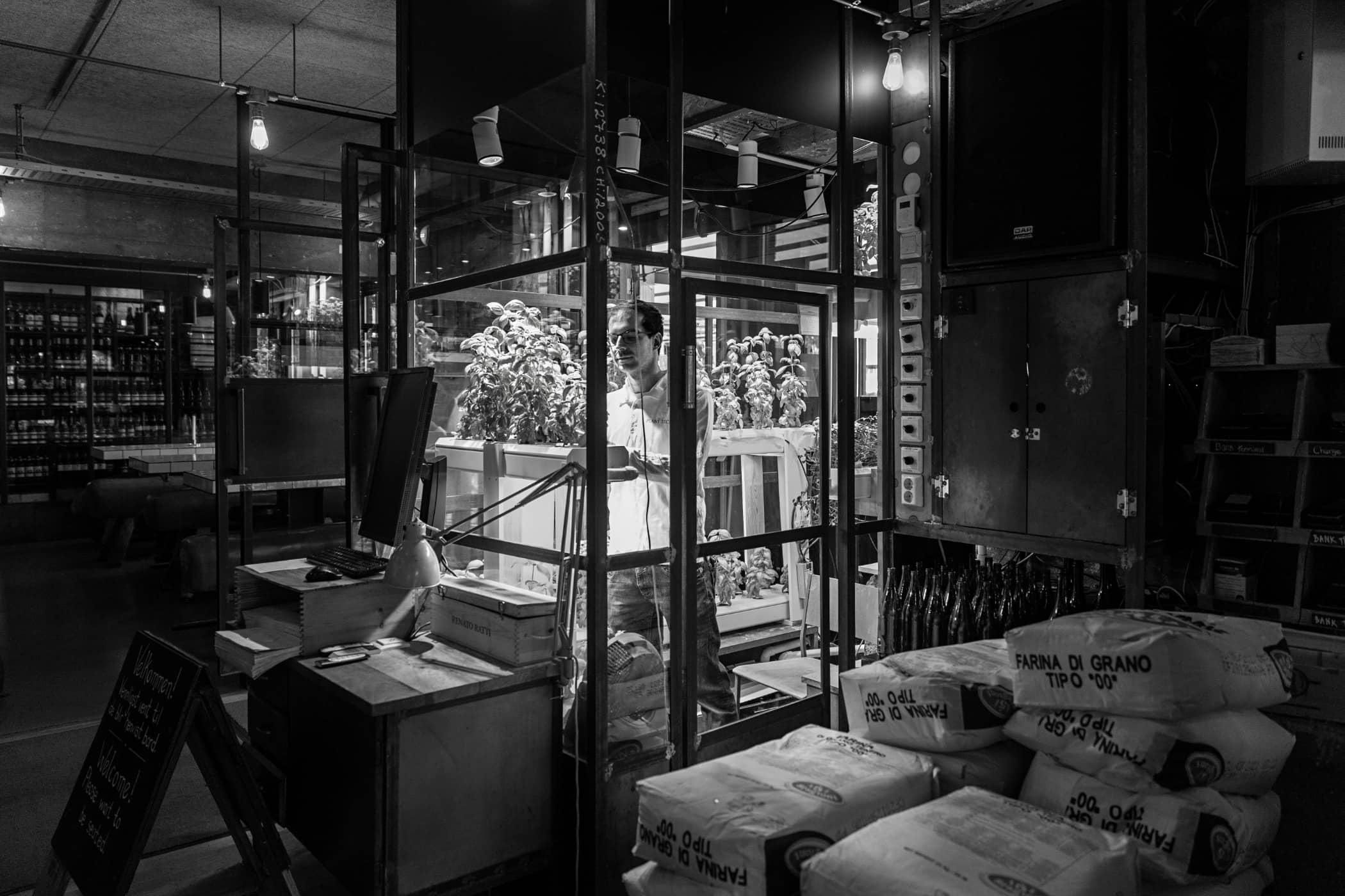 Monochrome photography, Black-and-white, Black