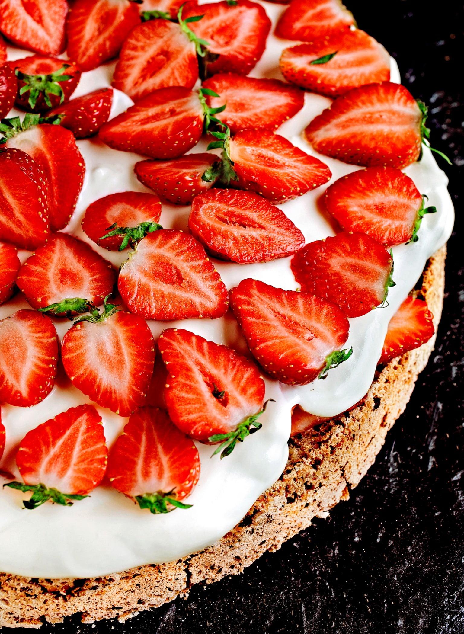Natural foods, Food, Fruit, Strawberry, Ingredient, Recipe, Strawberries, Cuisine