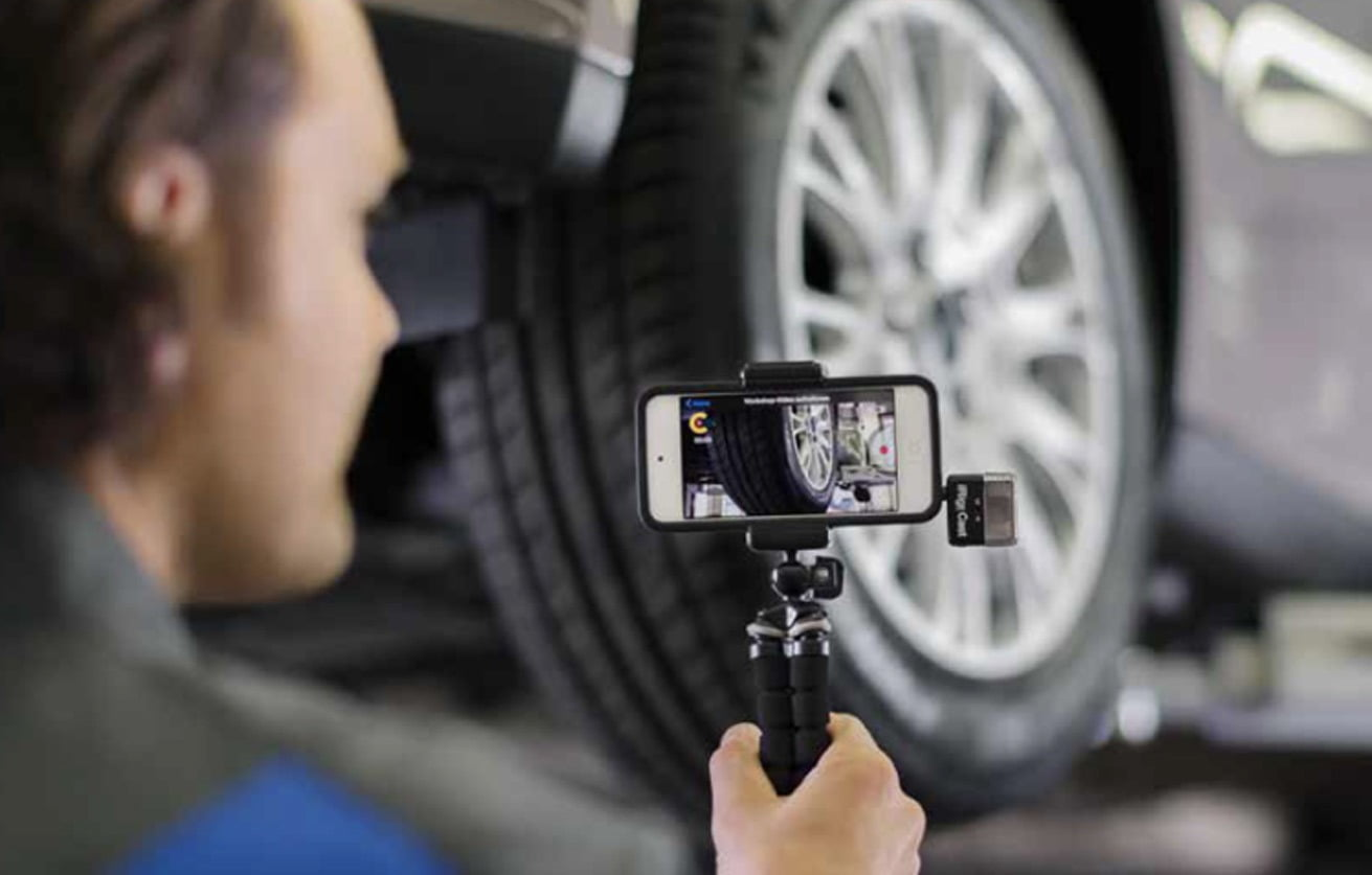Motor vehicle, Automotive tire, Alloy wheel, Tread, Car, Bumper