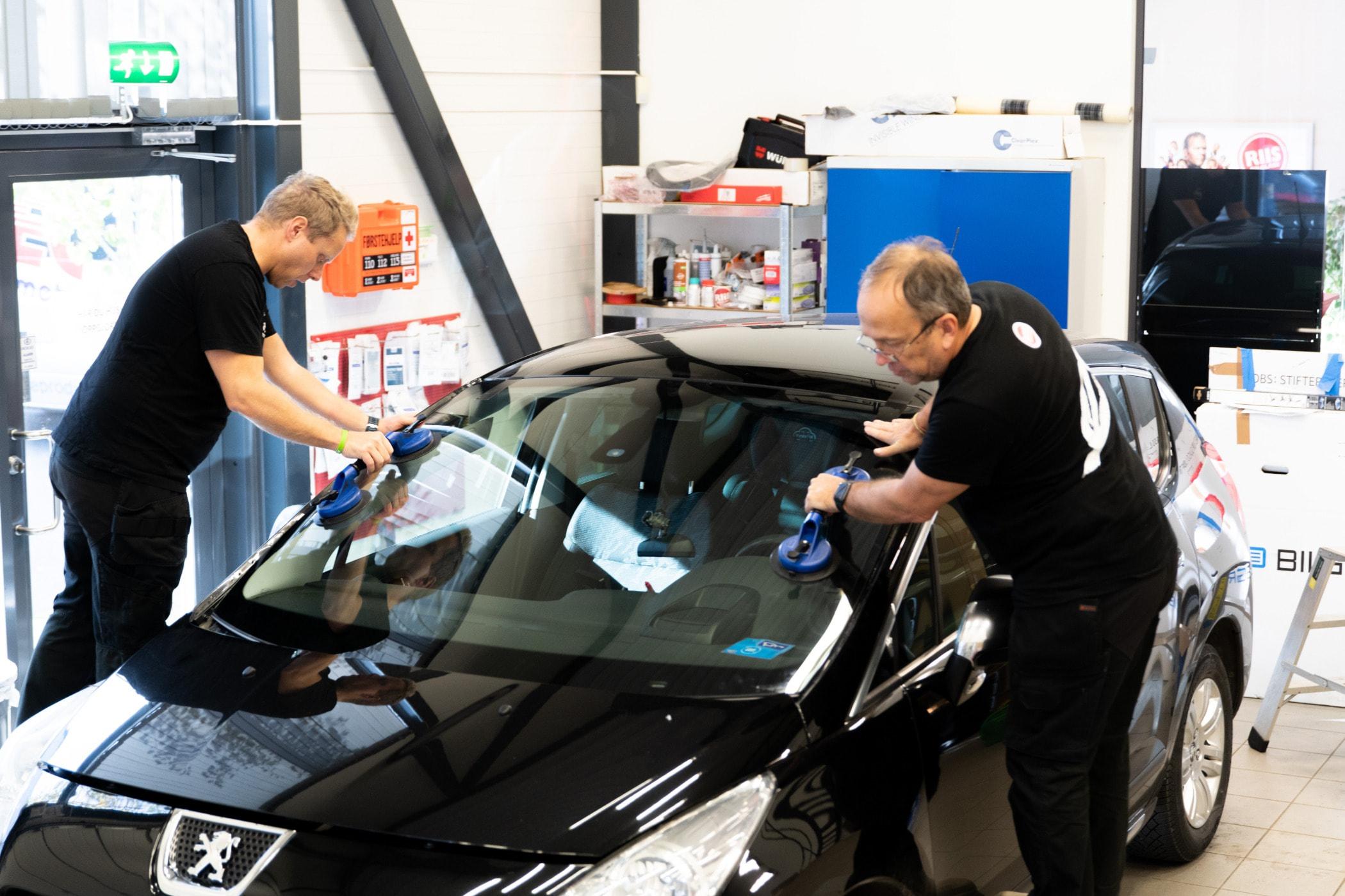 Automobile repair shop, Automotive design, Motor vehicle, Car, Windshield