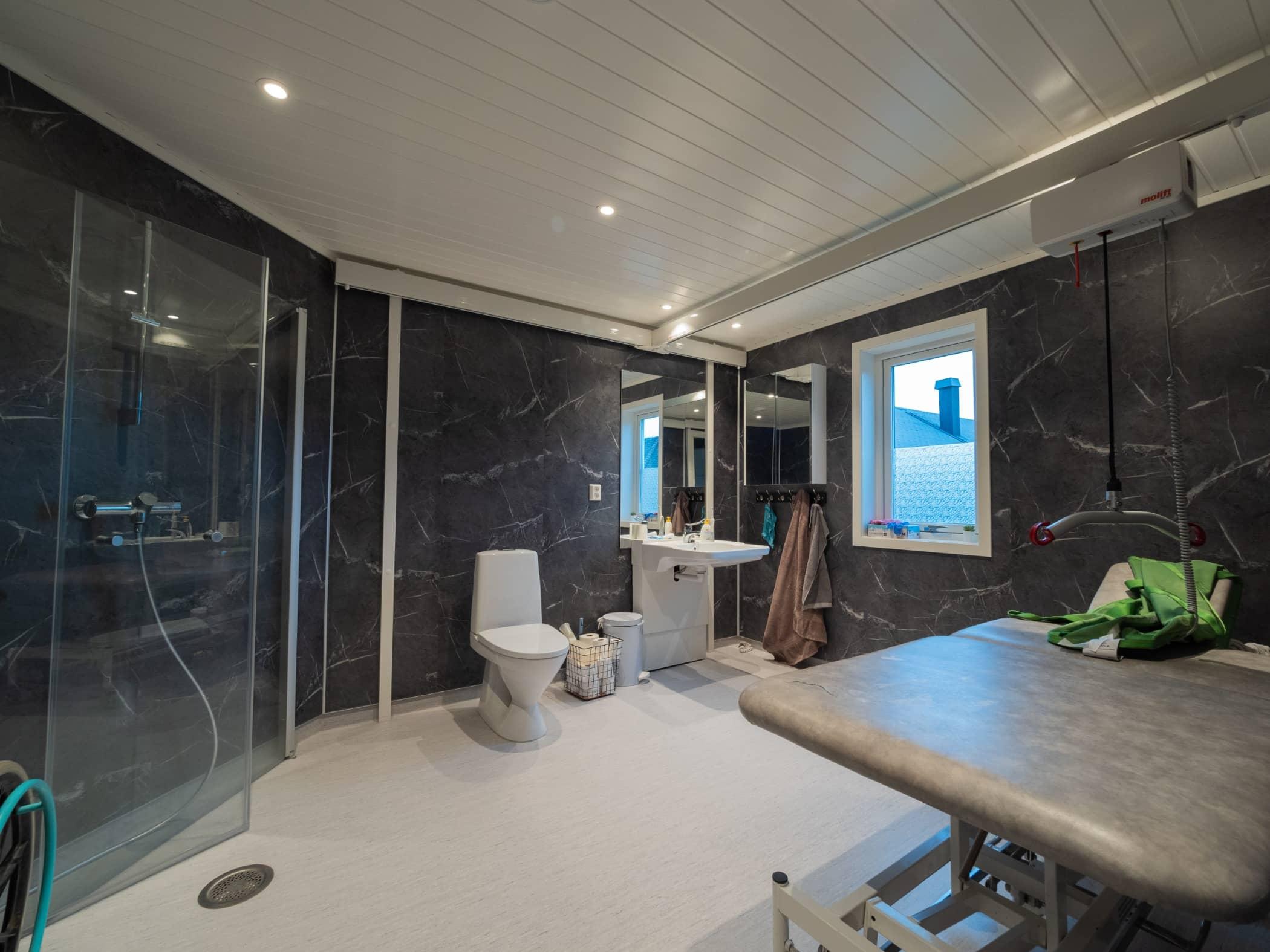 Interior design, Building, Ceiling, Property, Room