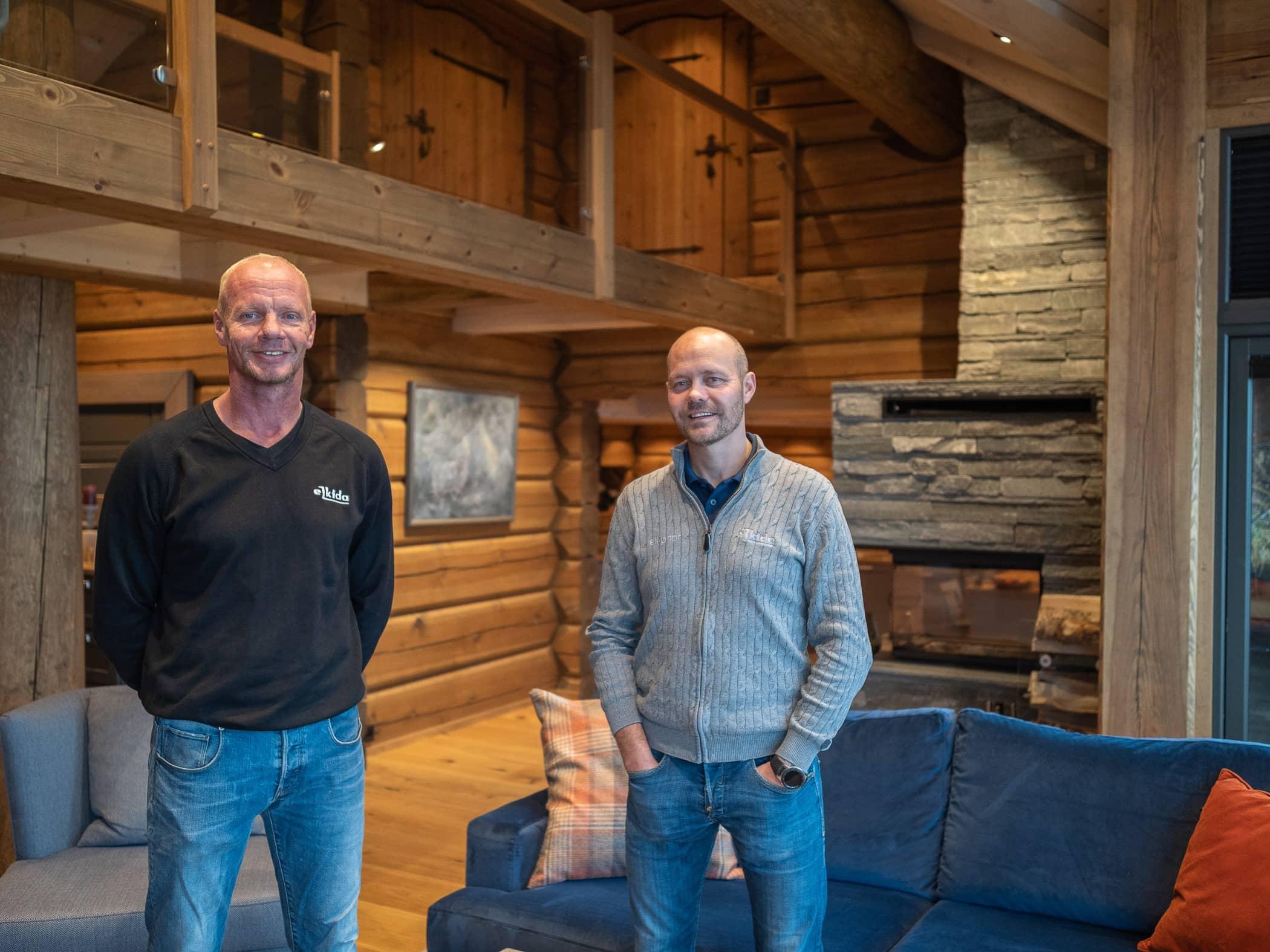 Log cabin, Wood