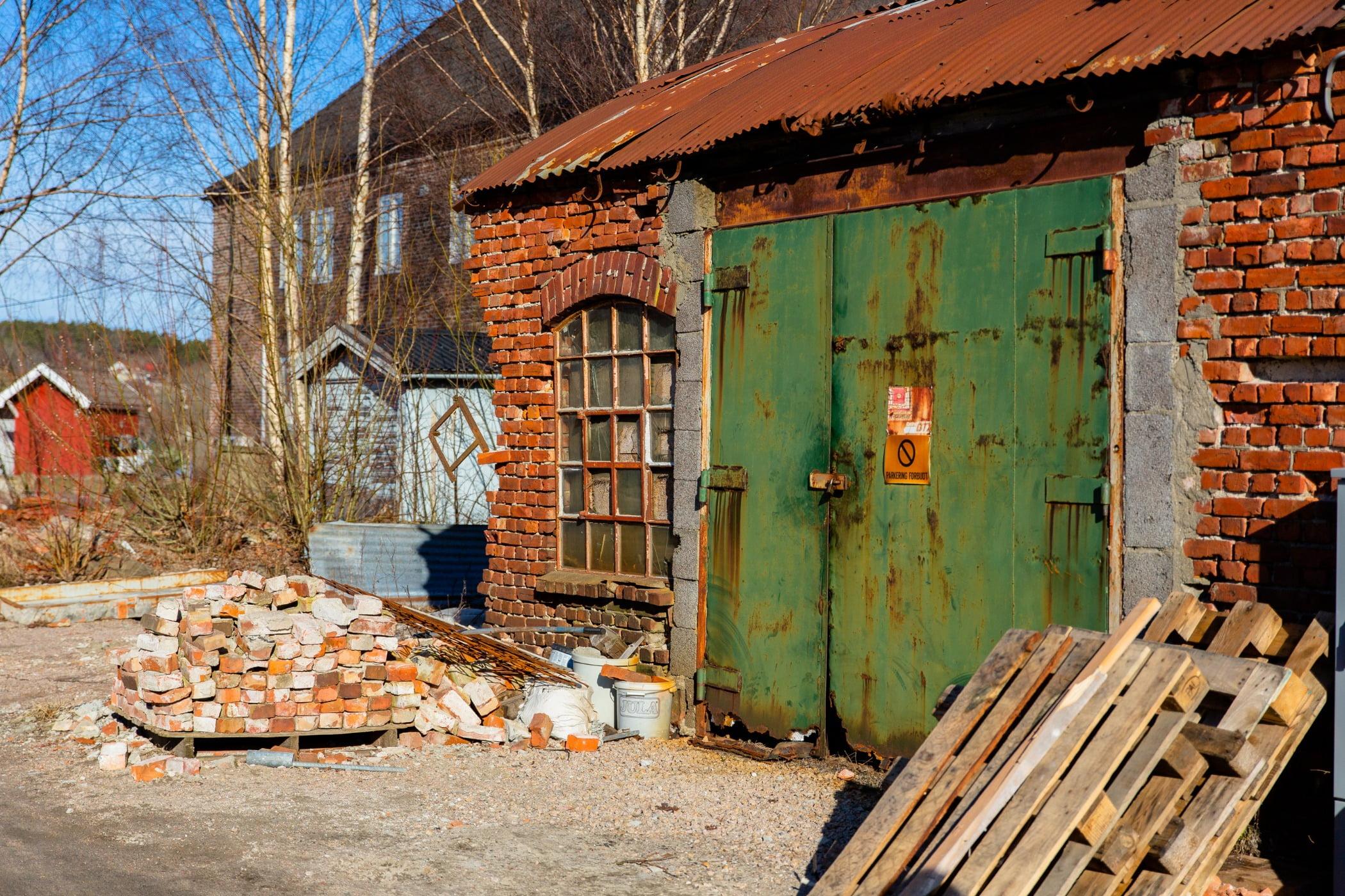 Building, Door, Window, Wood, Tree, House, Biome, Brick, Sky